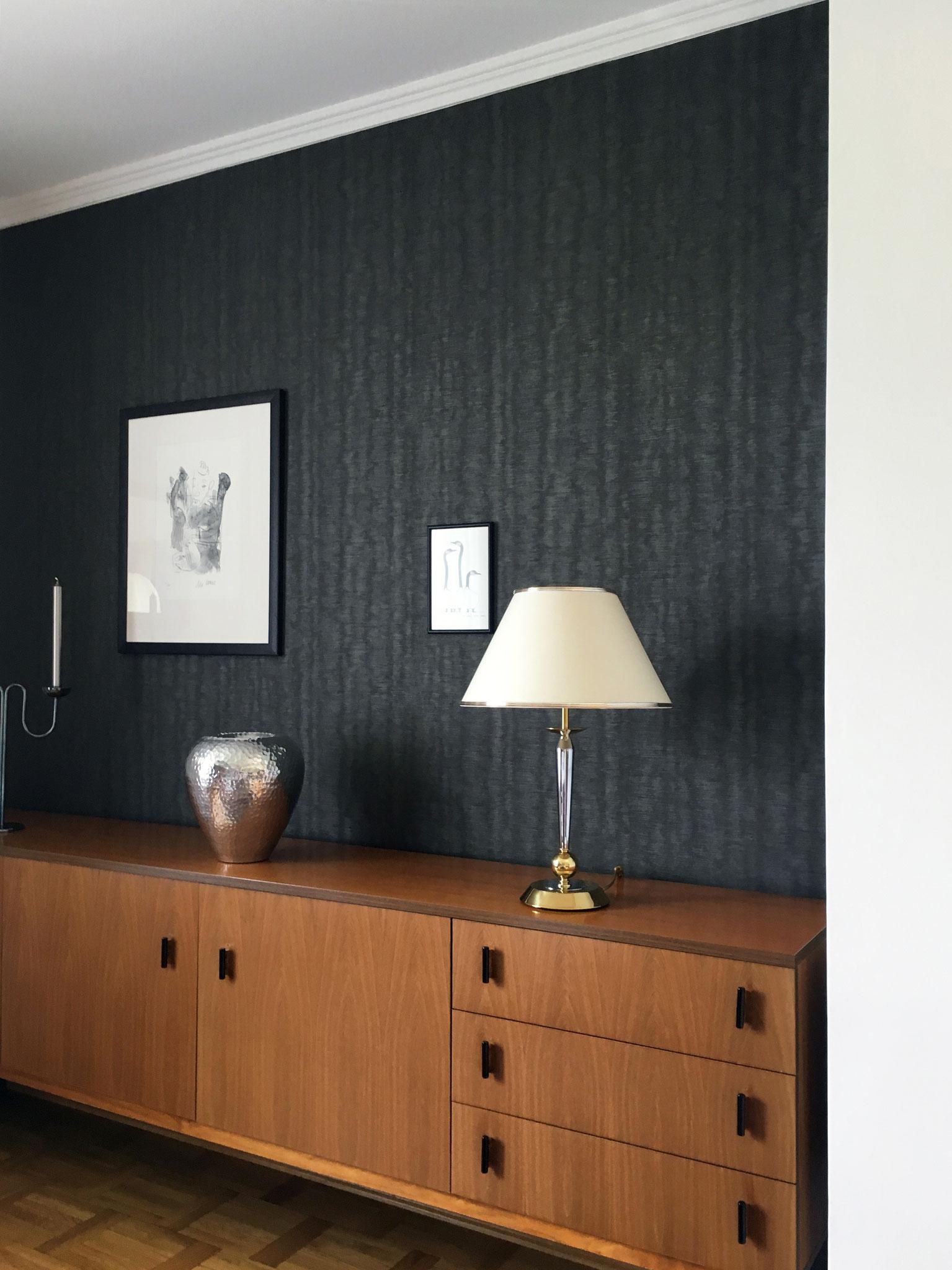Unterstützung wertvoller Möbelstücke durch Tapeten