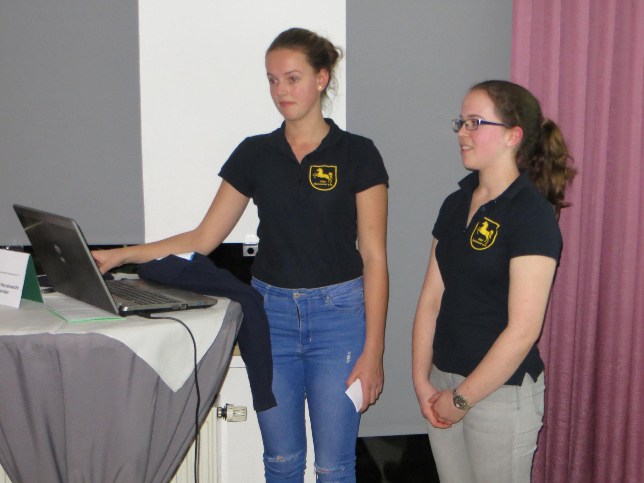 Ineken Stute und Emma-Lee Theuss bei der Präsentation des Jugendteams
