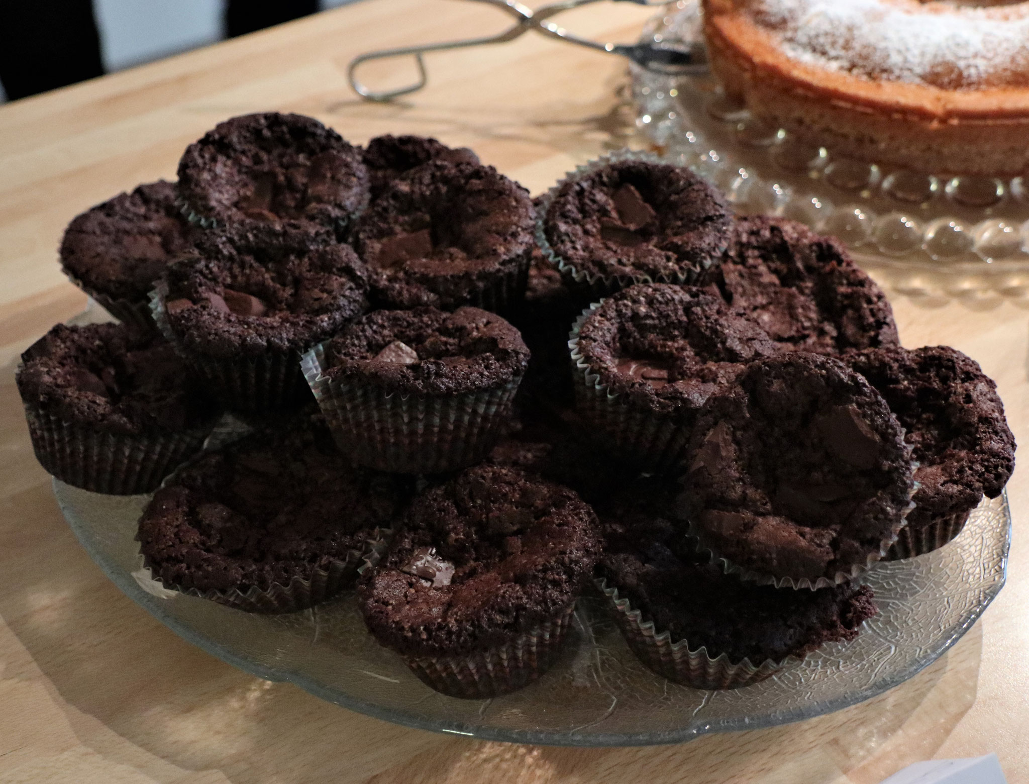 Muffins, dunkel - gebacken und gespendet von Maike