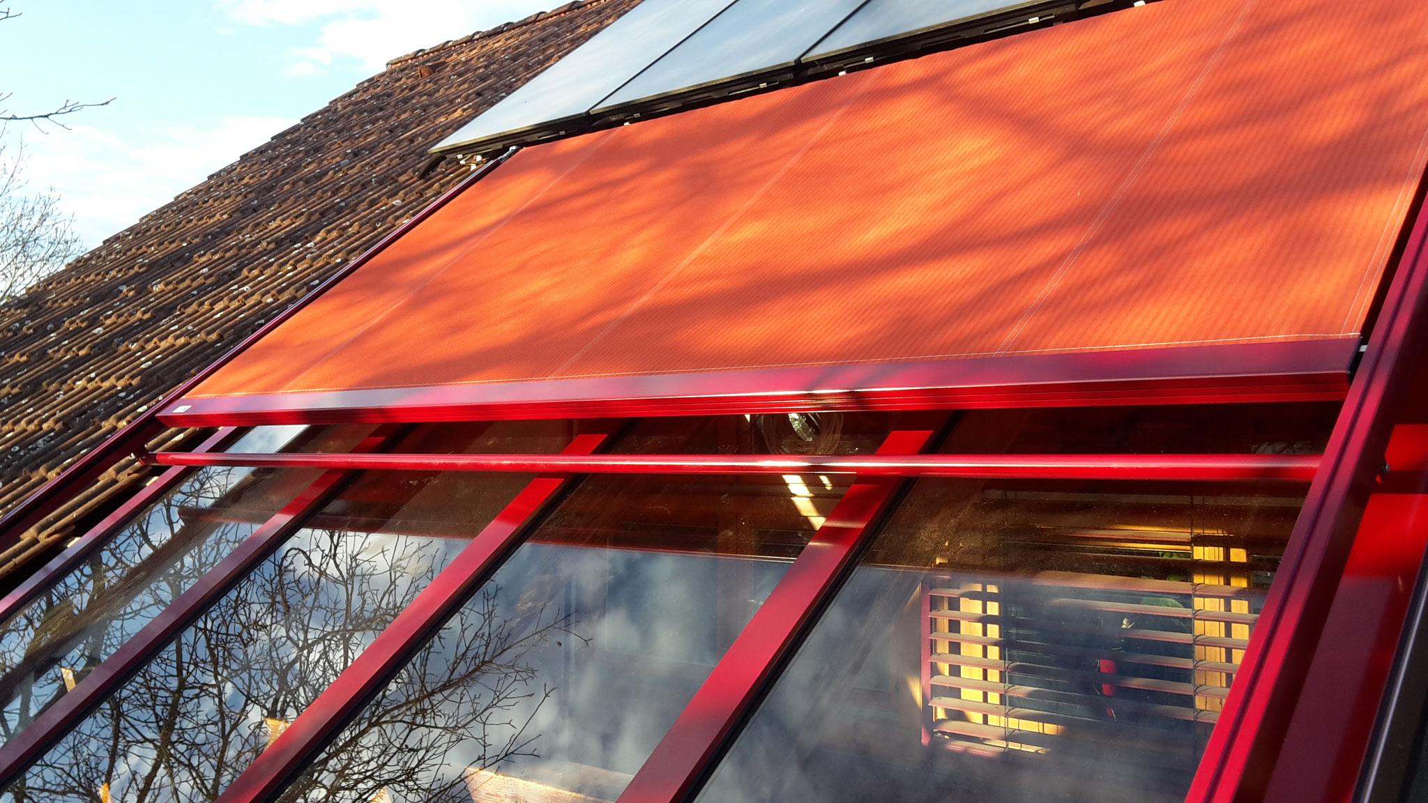 neue Dachmarkise im Farbton passend zum Verglasungssystem