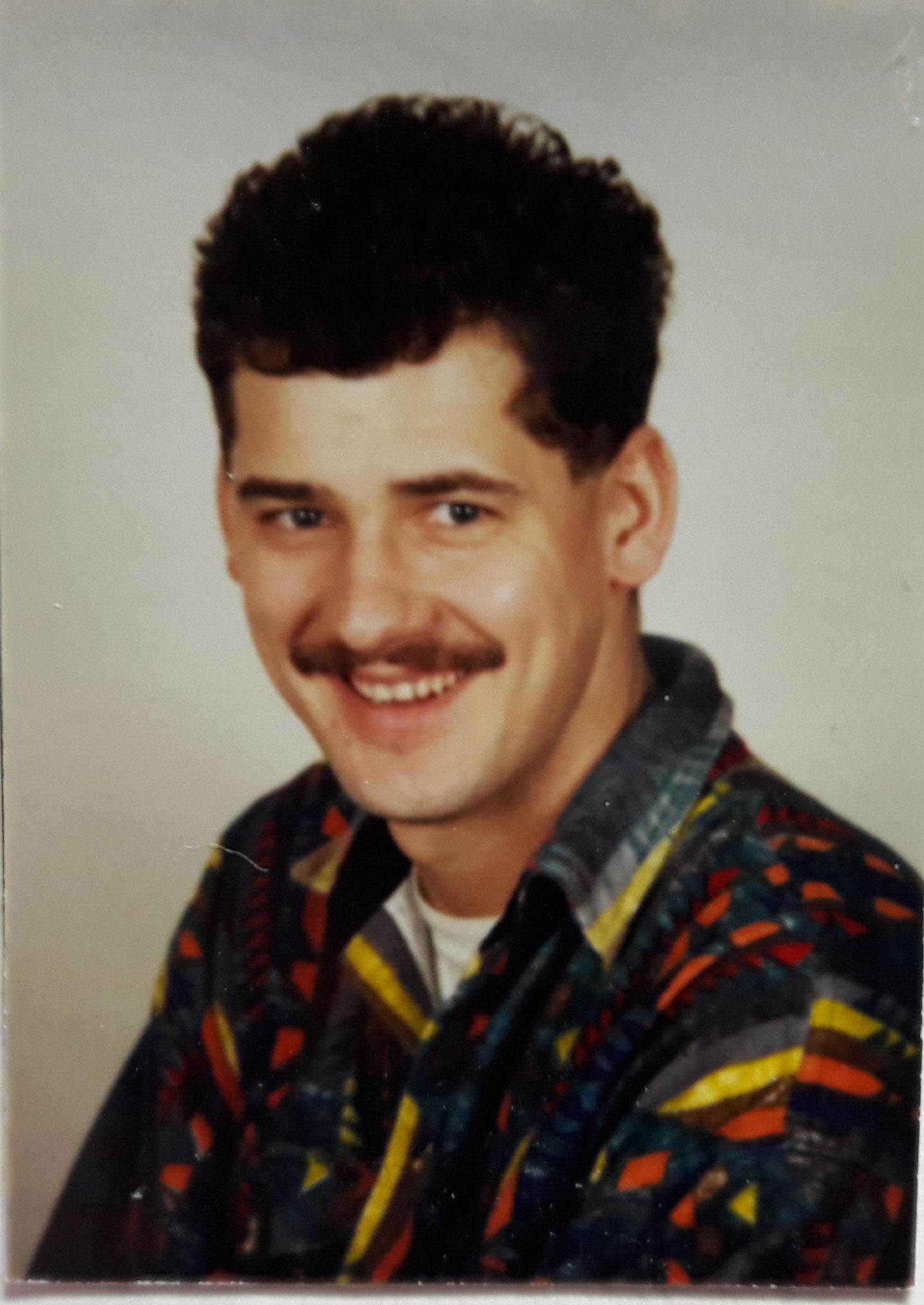 Ralf Bitter bei seinem Eintritt in die Wehr 1987