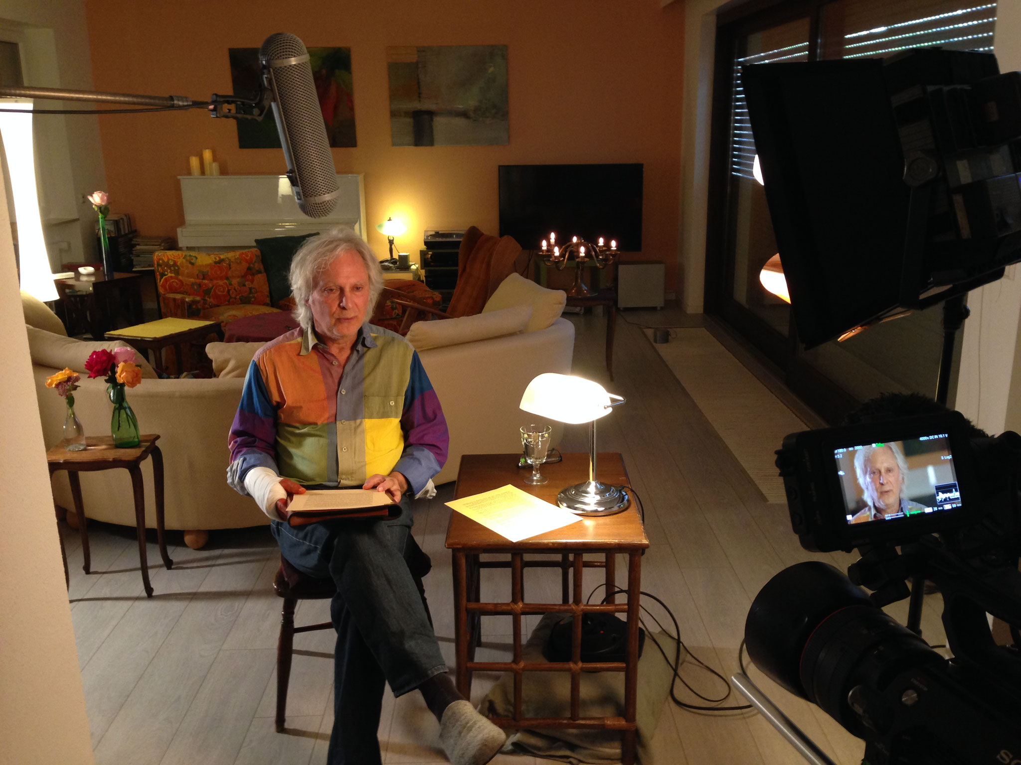 TV-Team für erste Video-Lesung zuhause ...