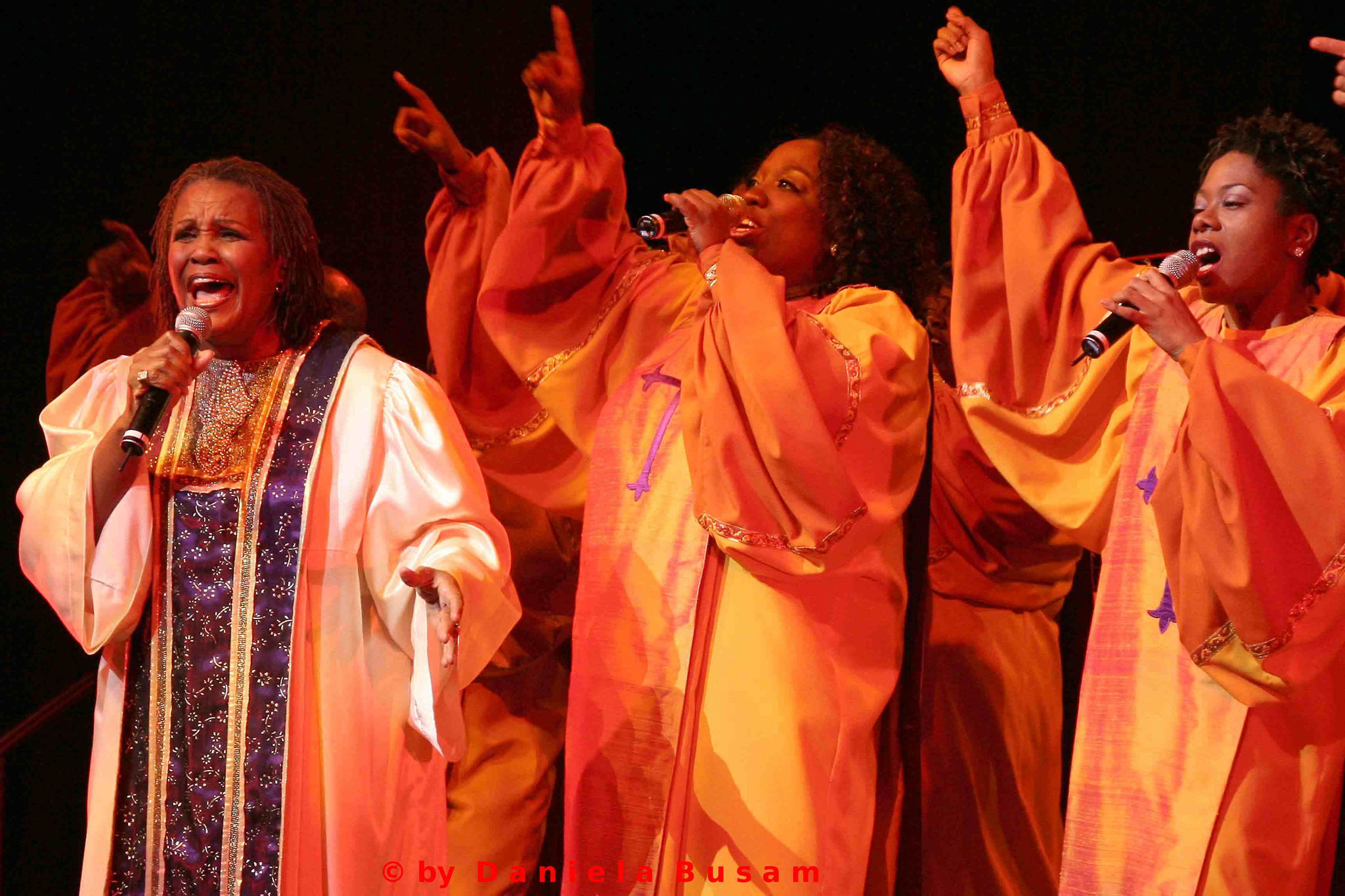 Queen Esther Marrow mit den Harlem Gospel Singers
