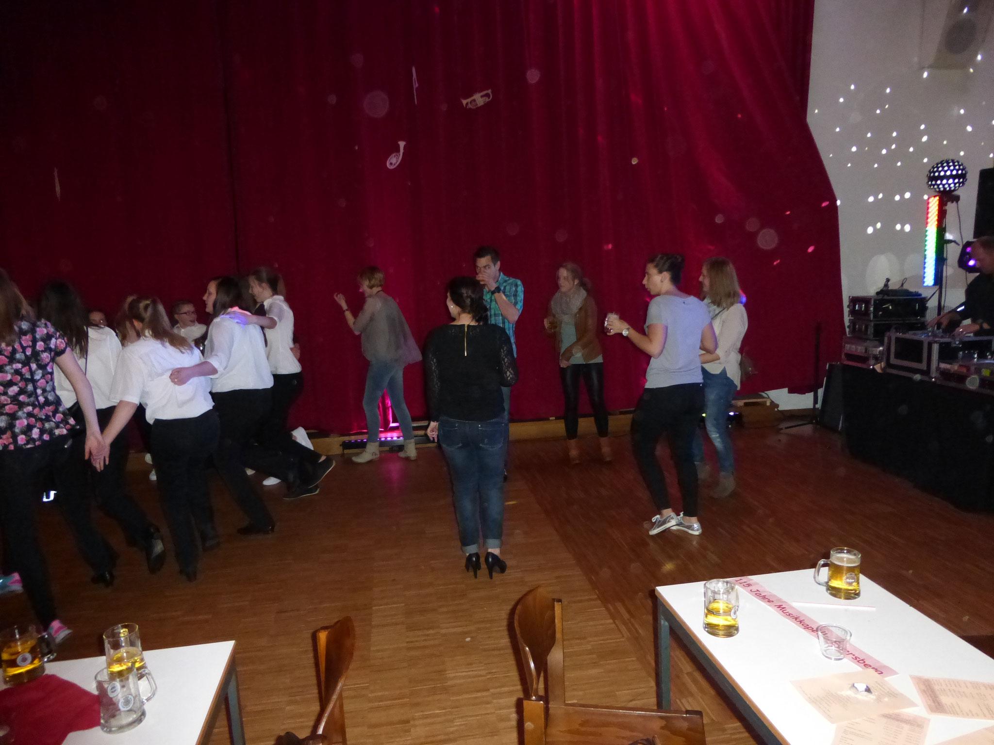 Tanz in den Mai mit DJ Volker