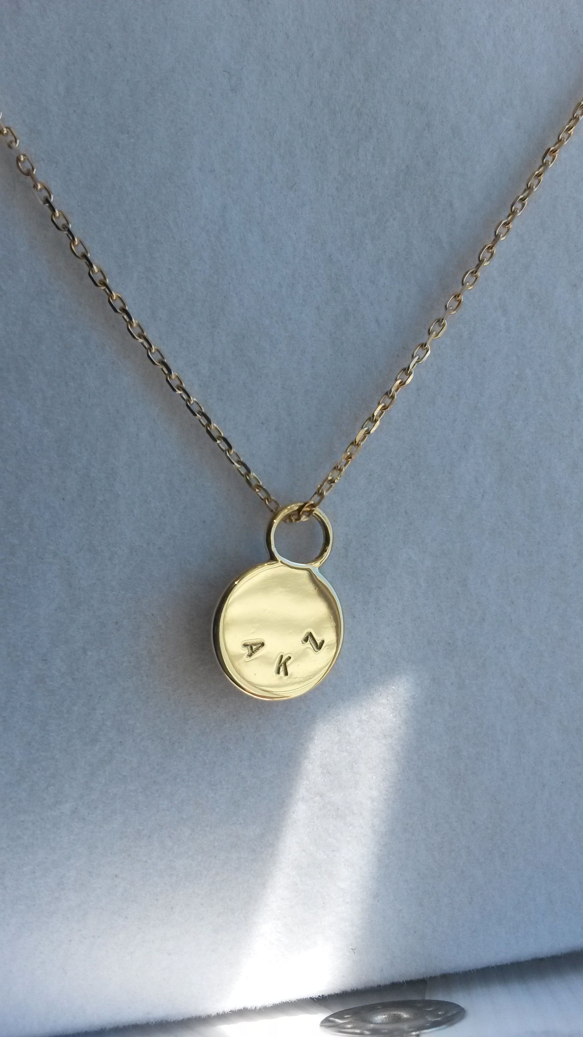 Personalized pendant in 14k gold