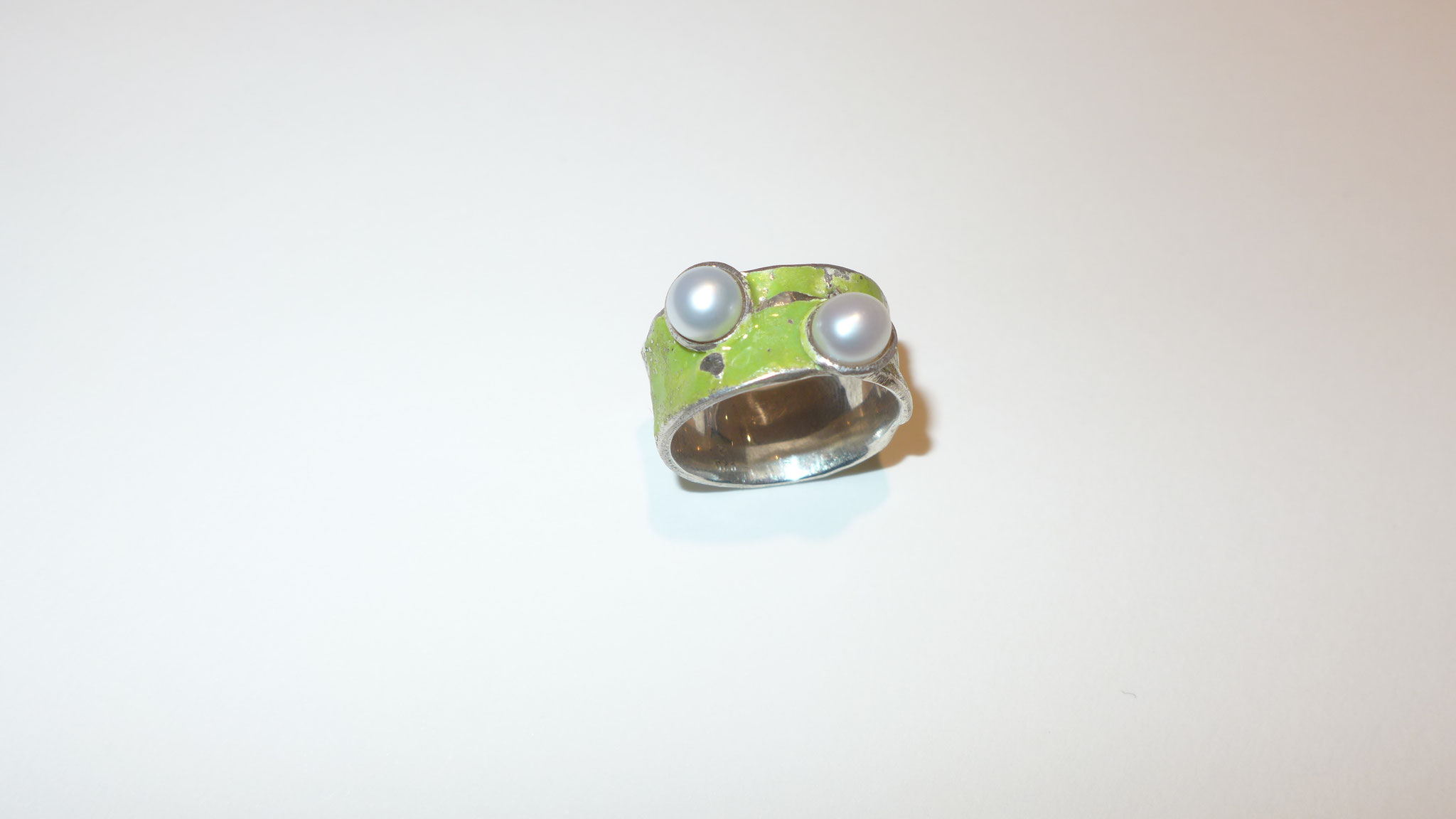 2 pearls, sterling silver, enamel