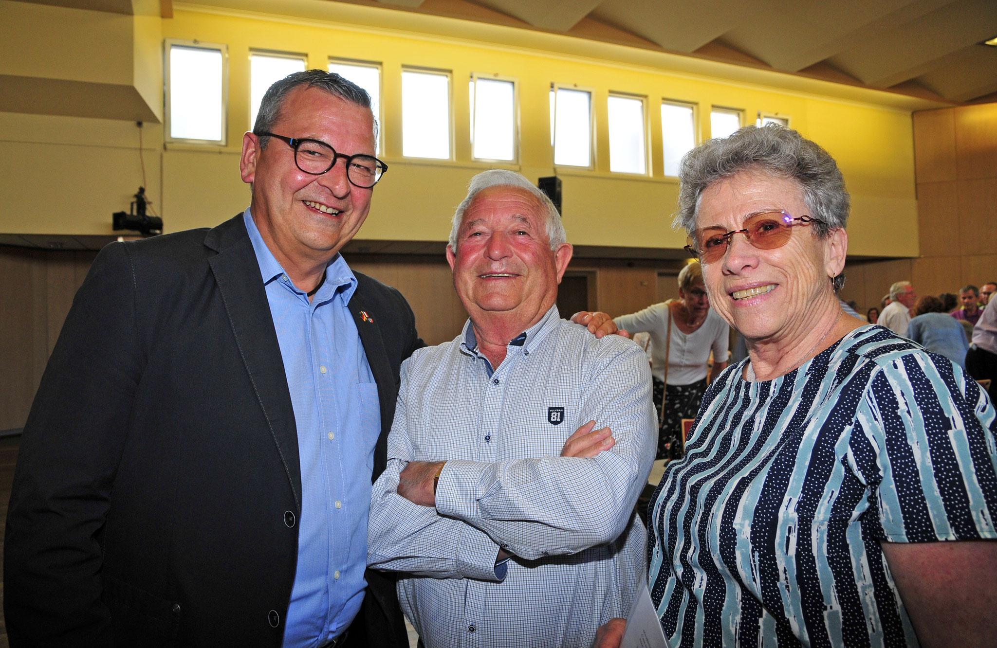 Bürgermeister Jürgen Hoffmann, Maire Michel Touraine & Gattin Annie Touraine  © Karin Klemt