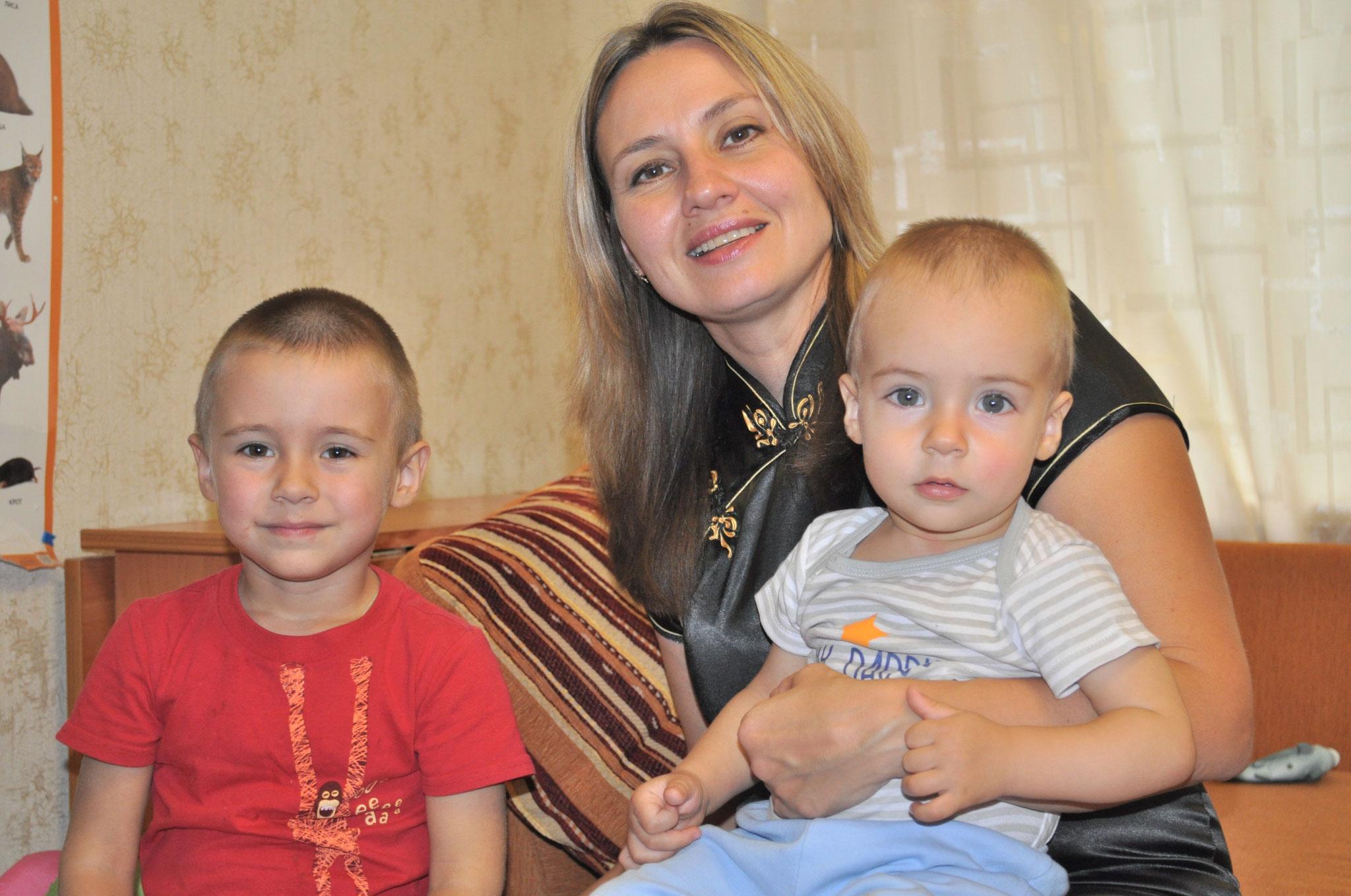 Мама с сыновьями