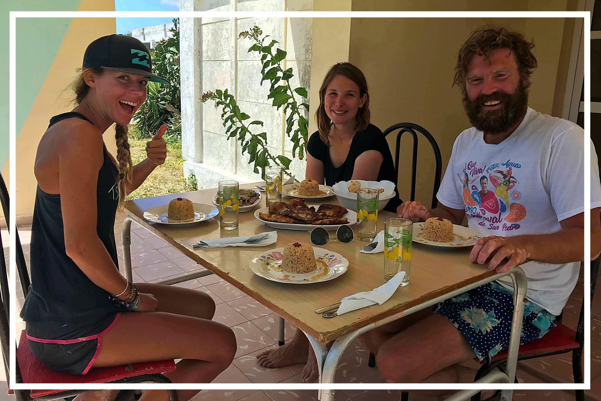 Mittagessen mit Jess (links), Anais und Martin