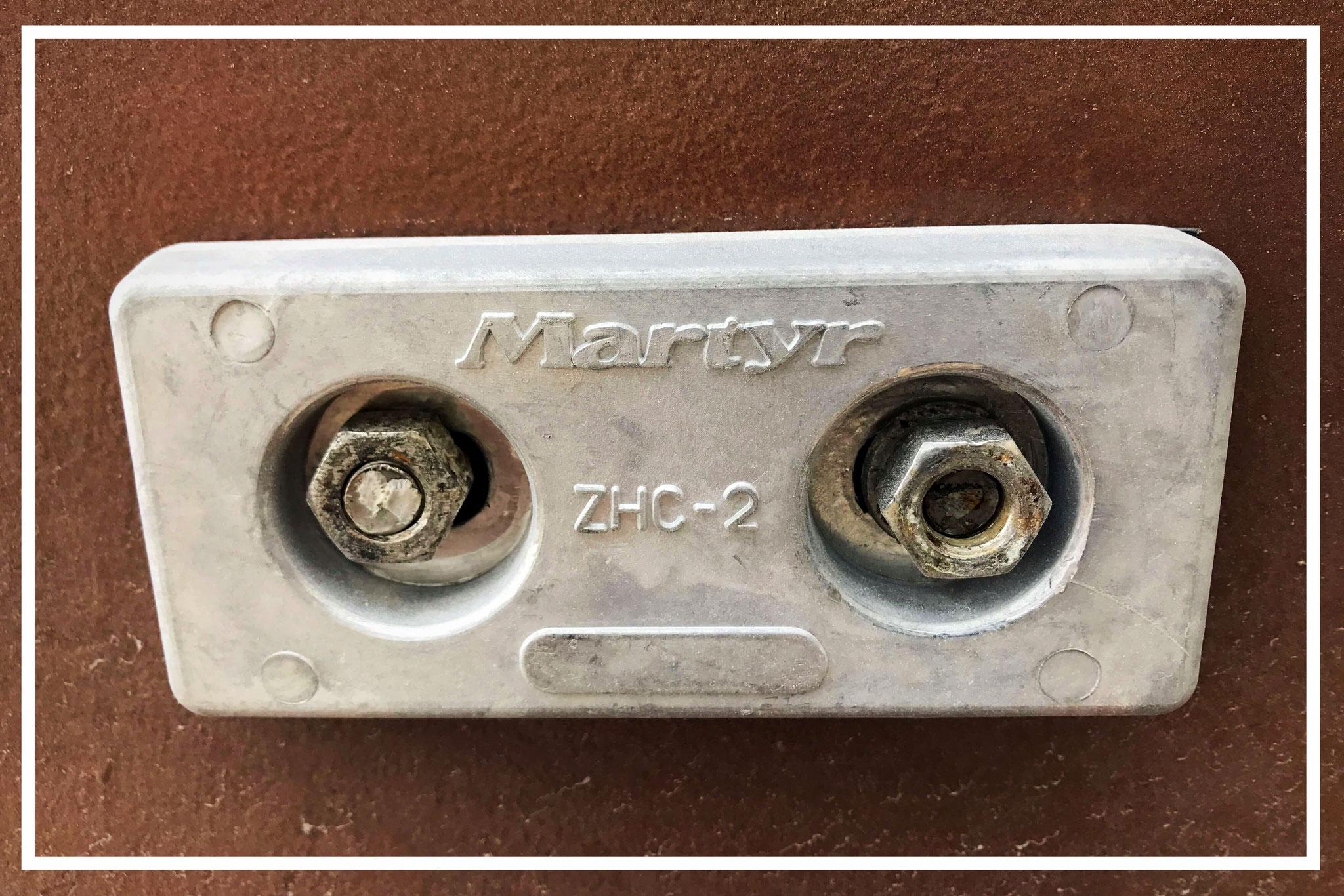 Opferanode aus Aluminium wird gegen Kontaktkorrosion eingesetzt