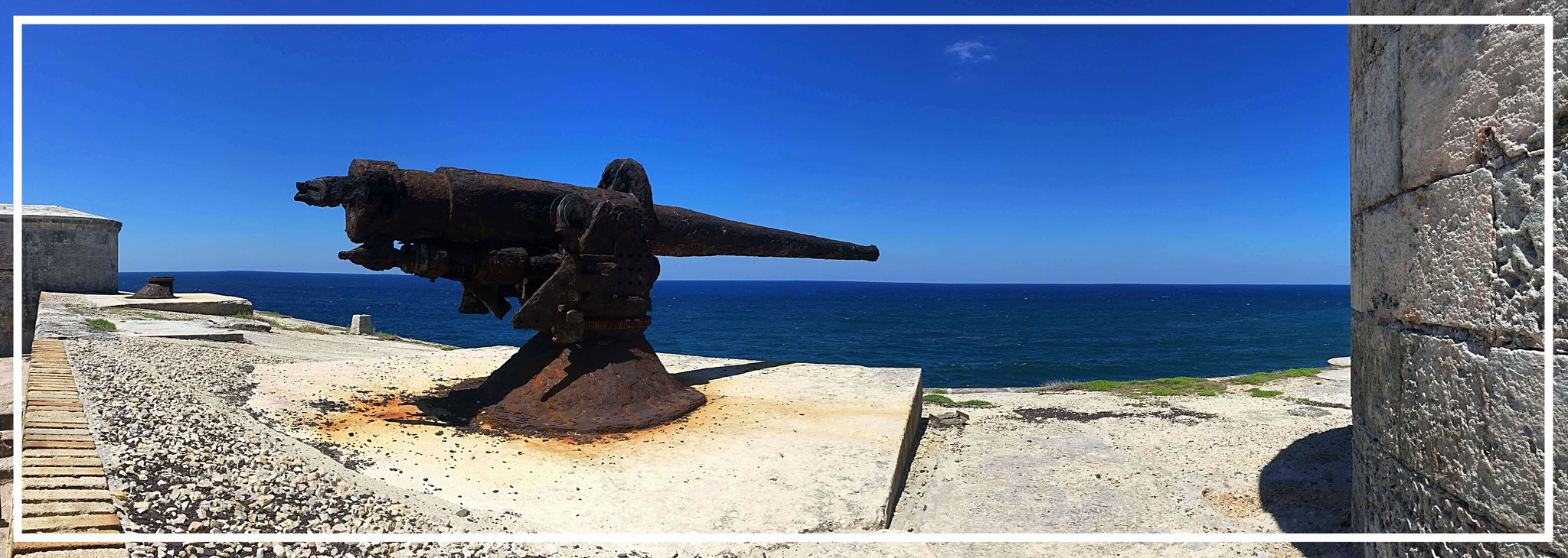The complex is equipped with twelve large cannons bearing the names of the twelve apostles