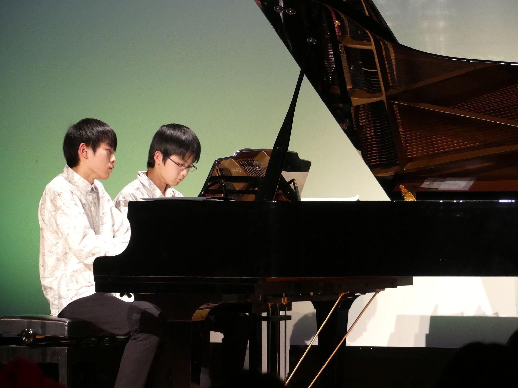 ピアノデュオ:堂本兄弟(在団生)