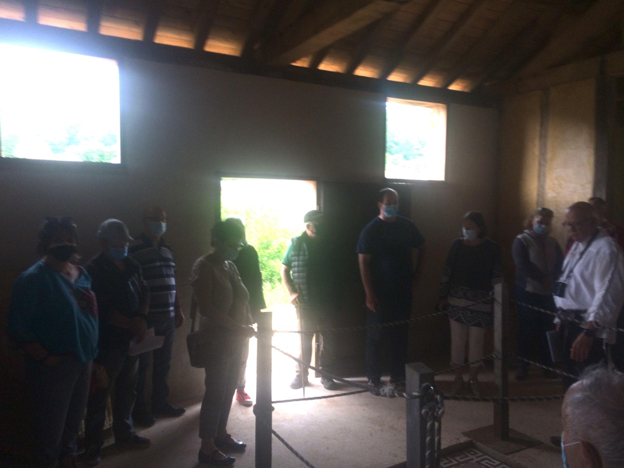 Des visiteurs dans la grande maison gallo-romaine