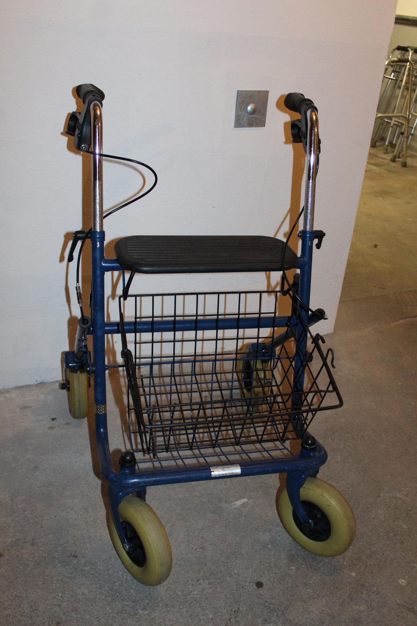 robuster Rollator für drinnen und draussen