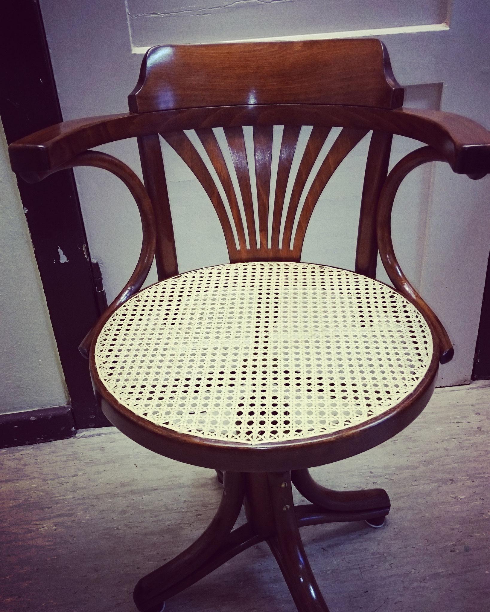 Runder Sitz mit Achteckgeflecht