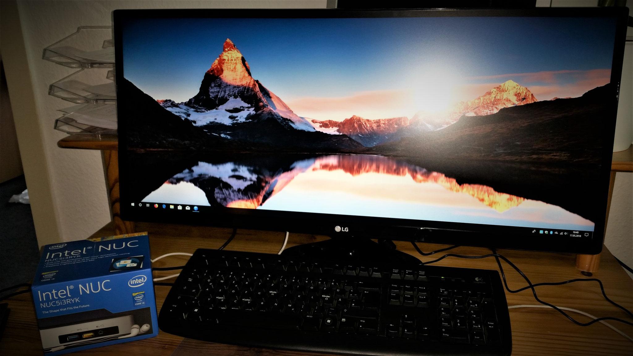 Ultrawide-Monitore (21:9) für Ihren Arbeitsplatz. Wenn der Widescreen nicht breit genug ist.
