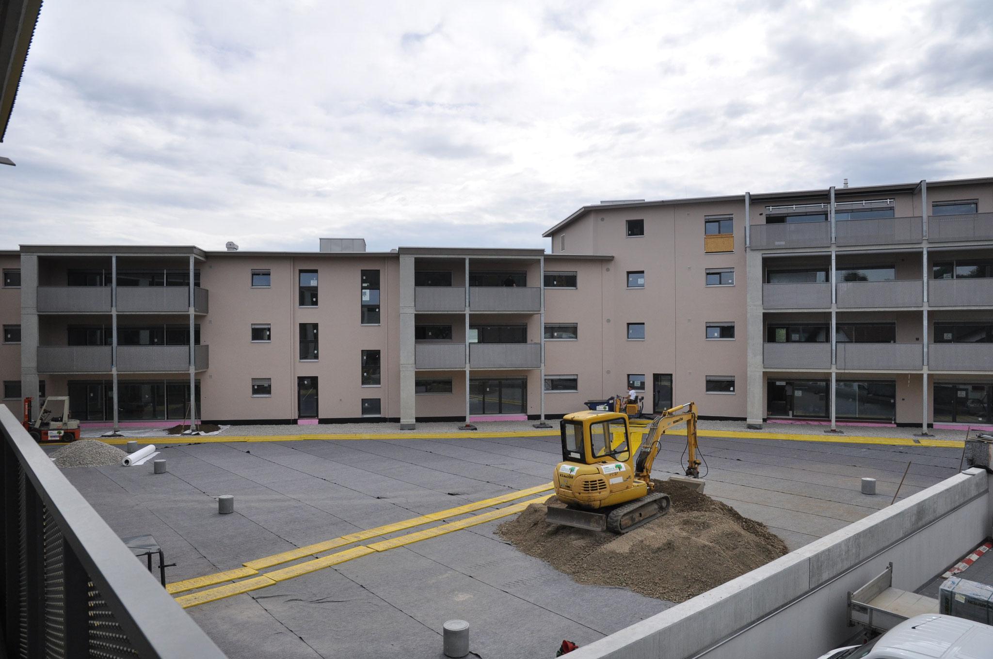 Der Innenhof nimmt Gestalt an: Mai 2016