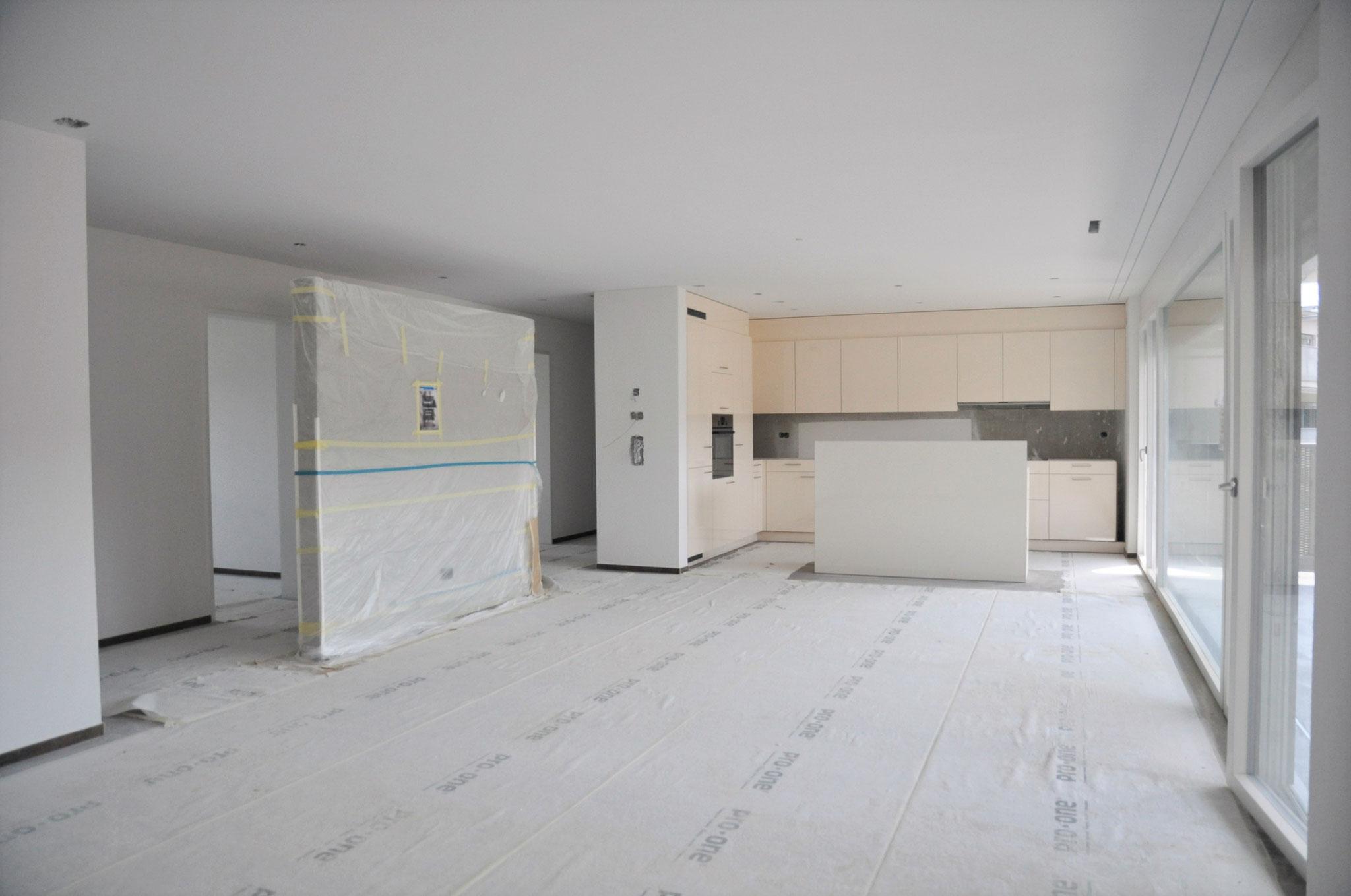 4,5 Zimmer Wohnung Einheit B: die Küche nimmt Gestalt an! Ende Mai 2016
