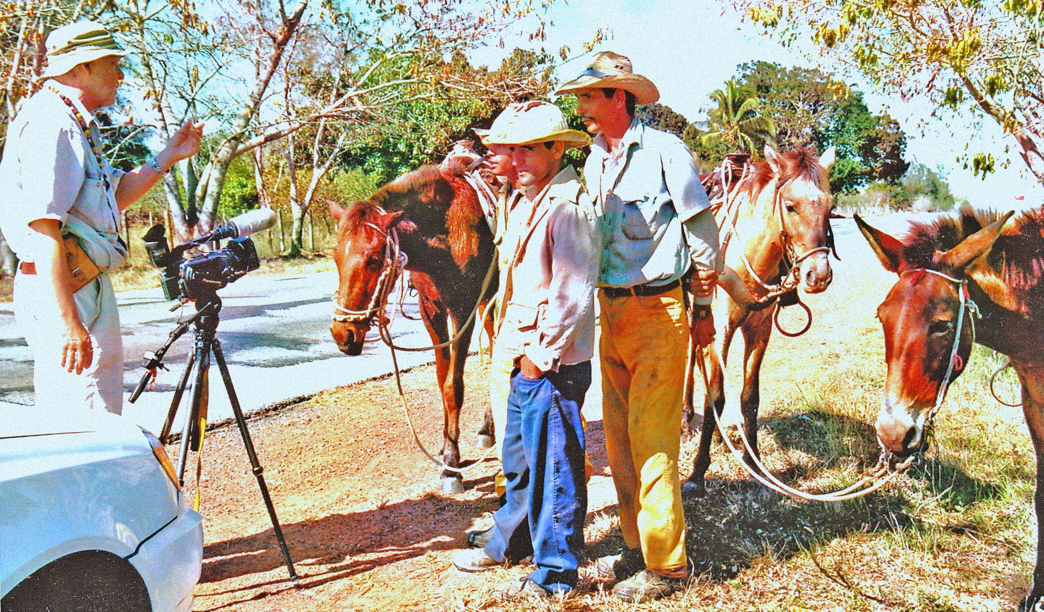 Interview mit Vaqueros in Kuba am Wege