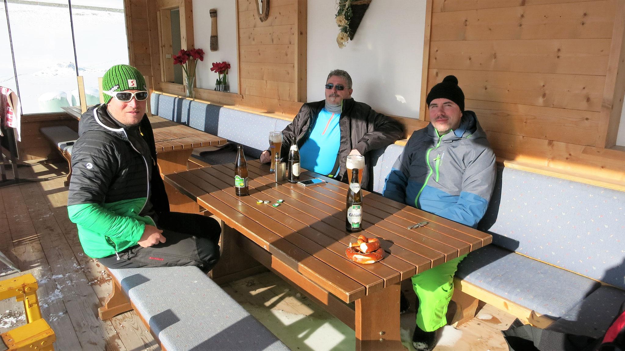 14.00 Uhr BIG 3 abgehakt, Absacker in Niederthai