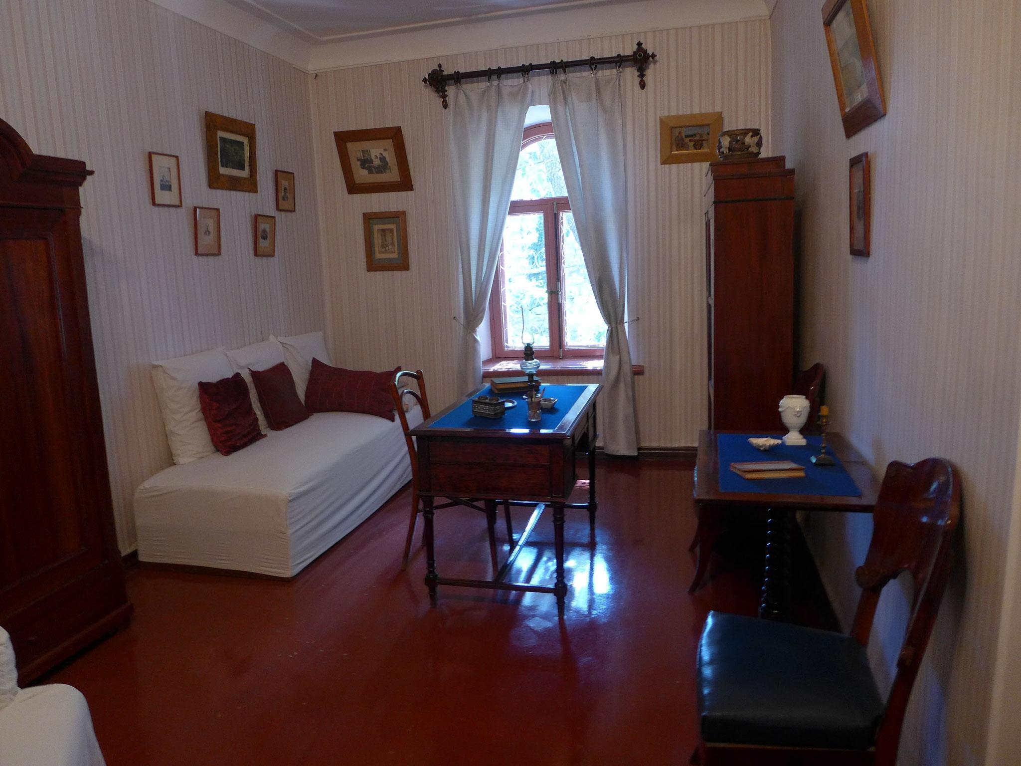 (3)チェーホフの家。