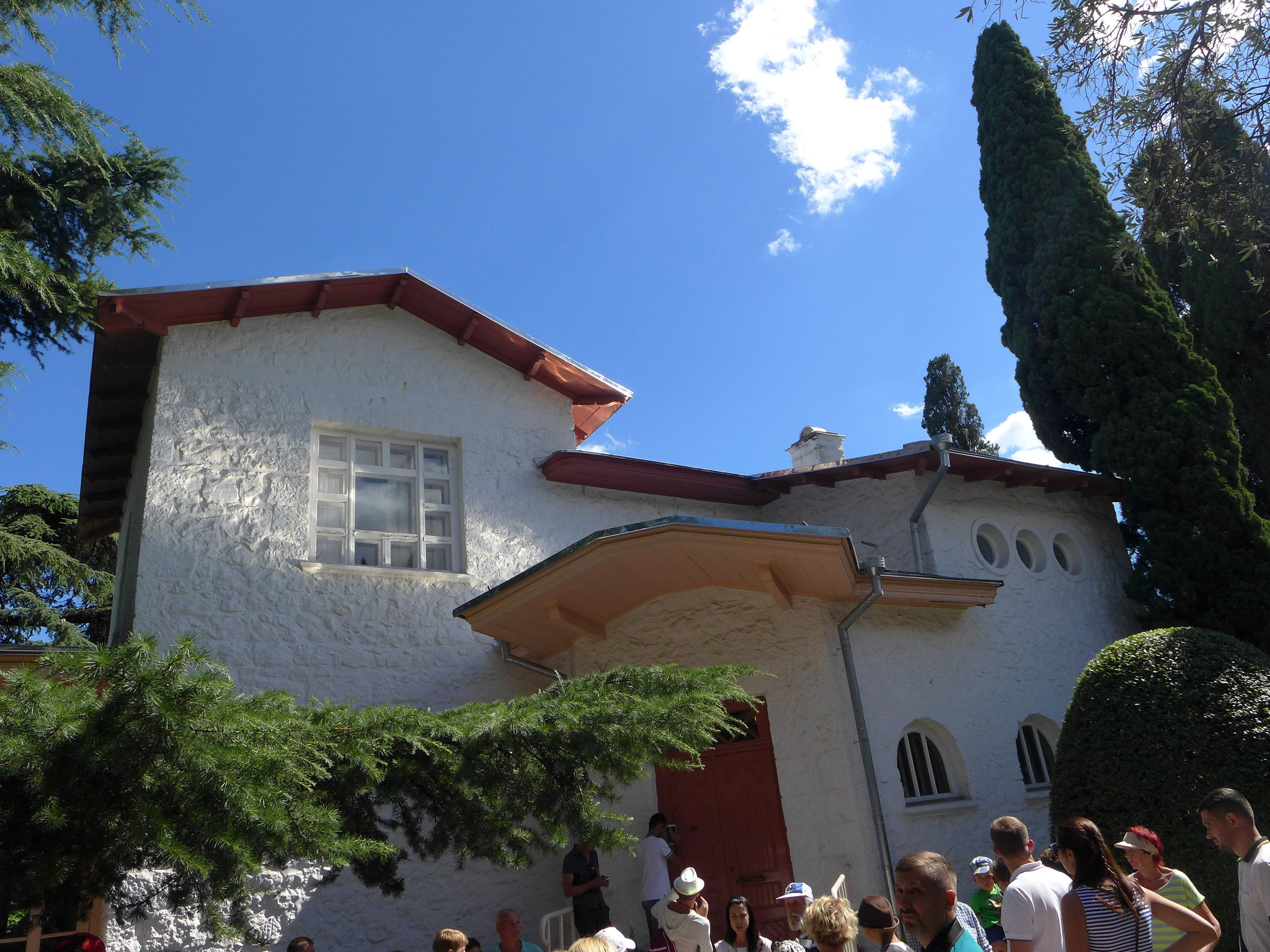 (2)チェーホフの家。