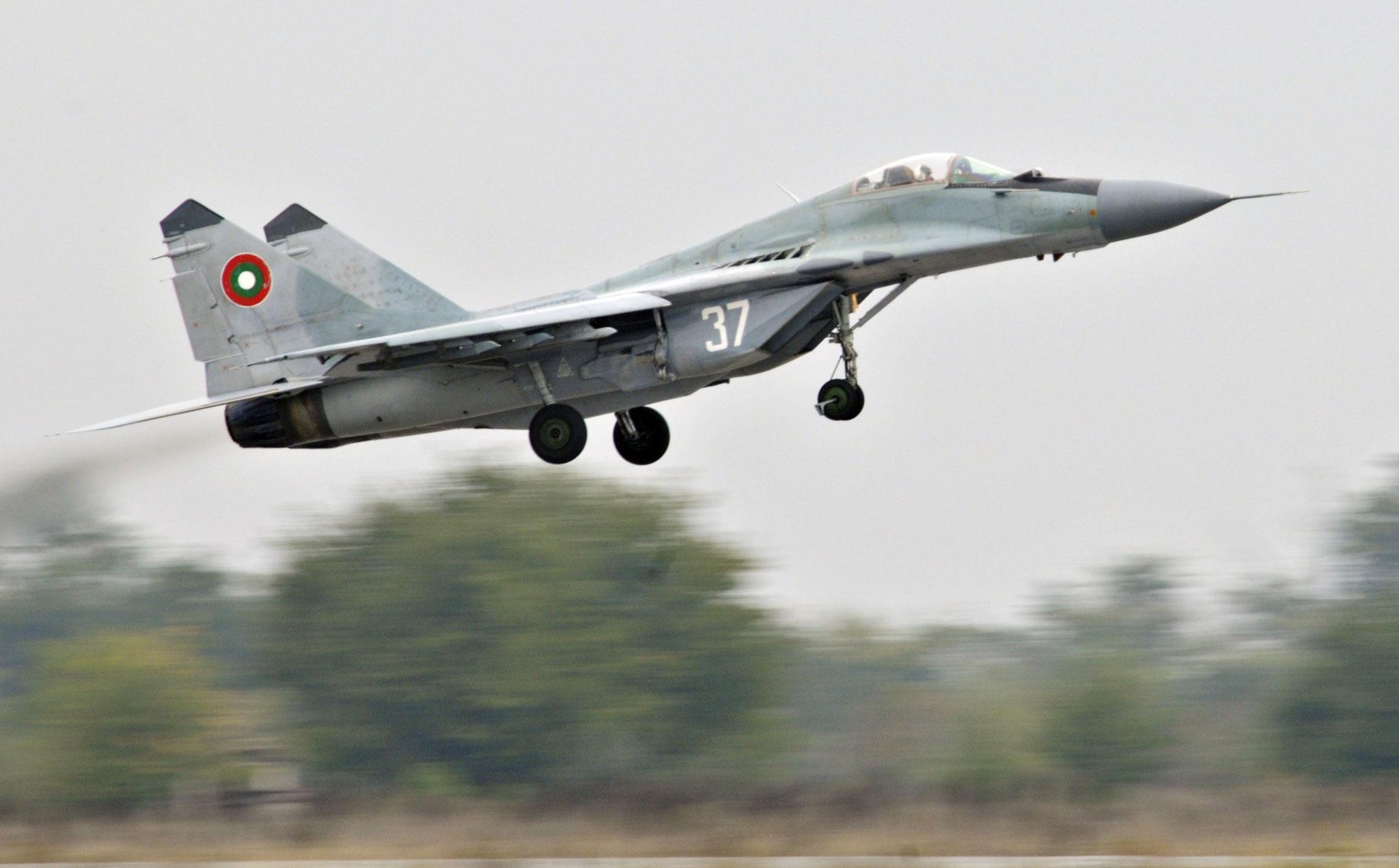 MiG-29UB ormai giunti a fine carriera.