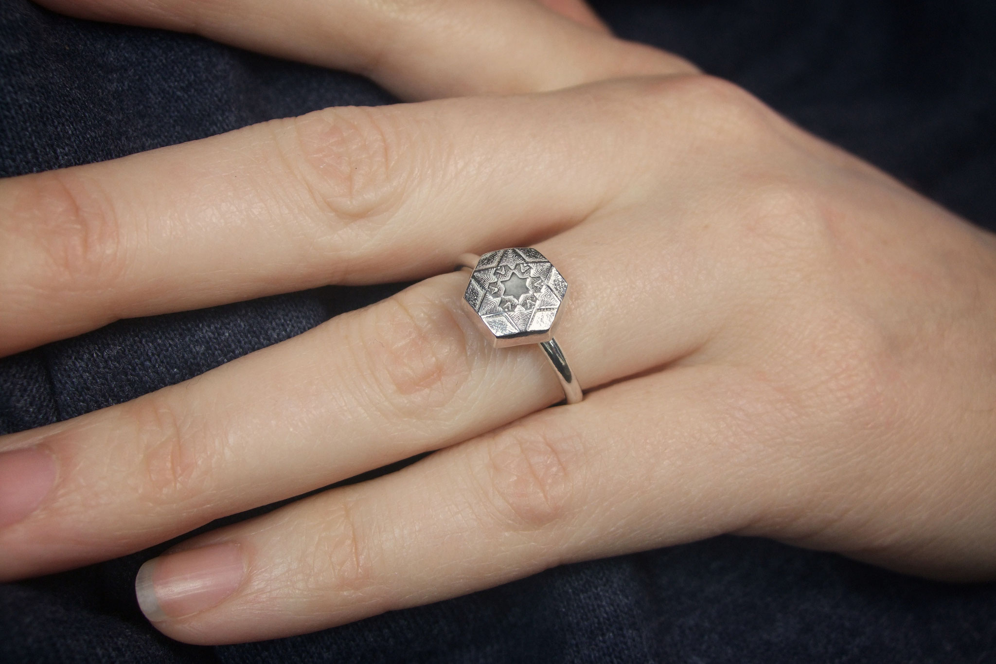 """Schneestern Ring """"Hexagon"""" groß"""