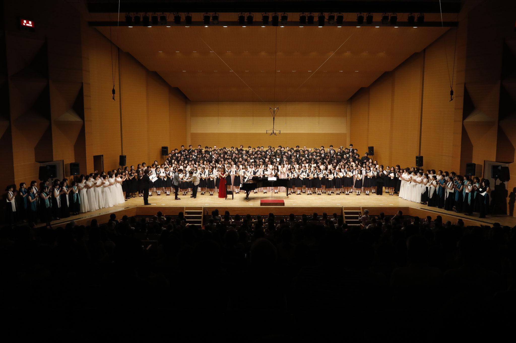 クロージングコンサート《作曲家個展シリーズVol.8信長貴富》合同合唱 指揮:清水昭