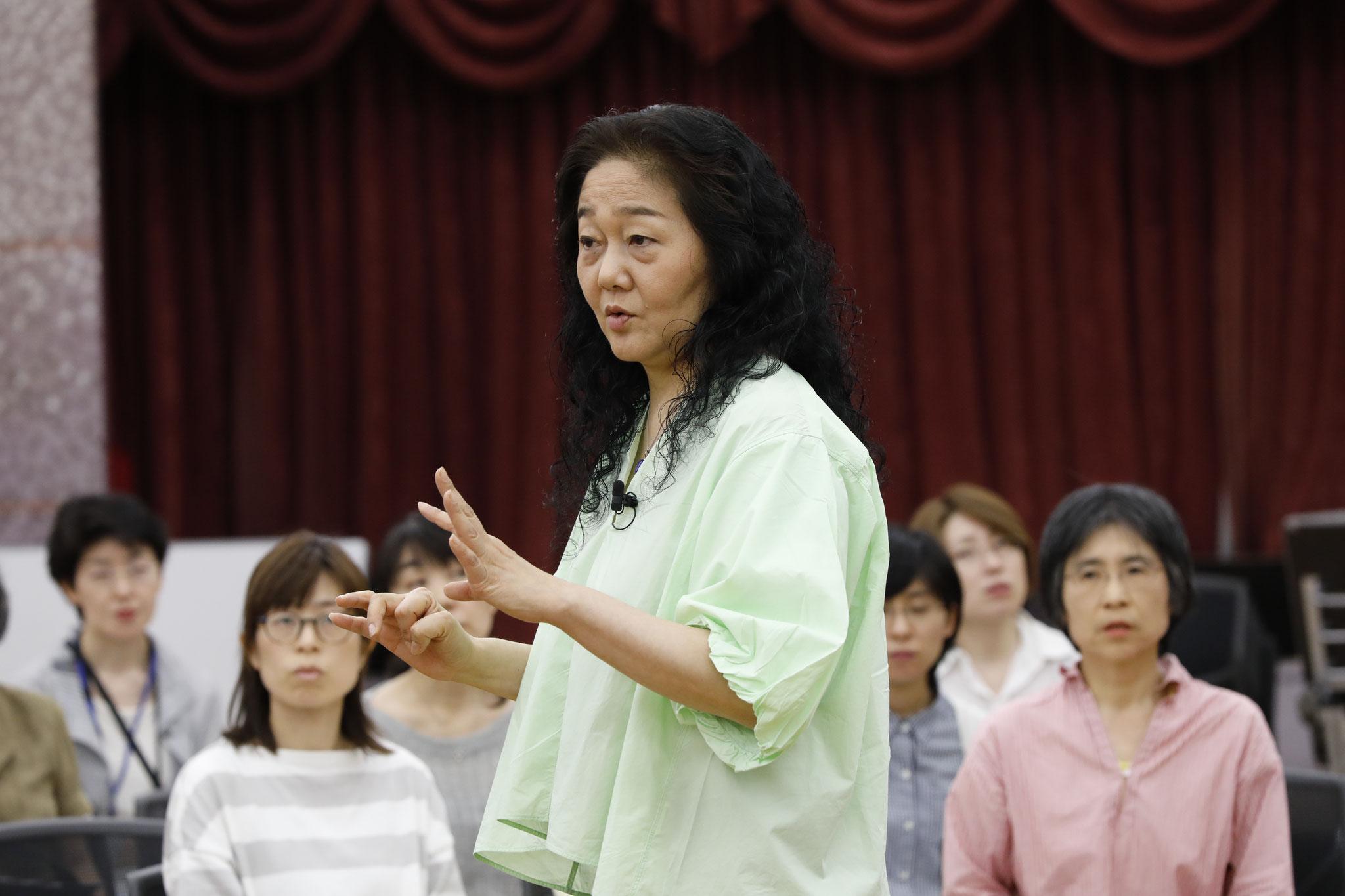 歌うための英語発音入門 講師:波多野睦美