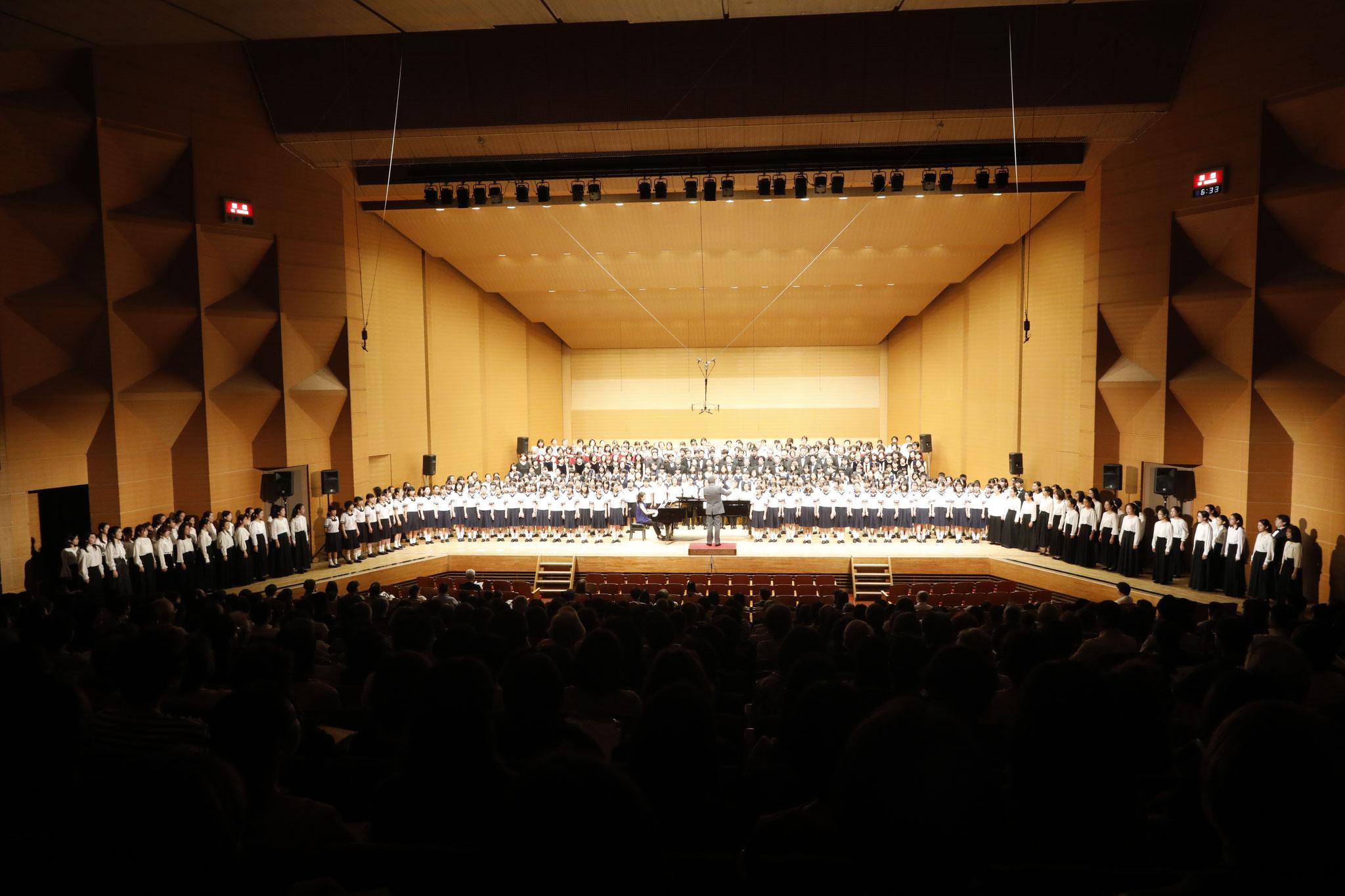 オープニングコンサート《改めて古典を。》合同合唱 指揮:古橋富士雄