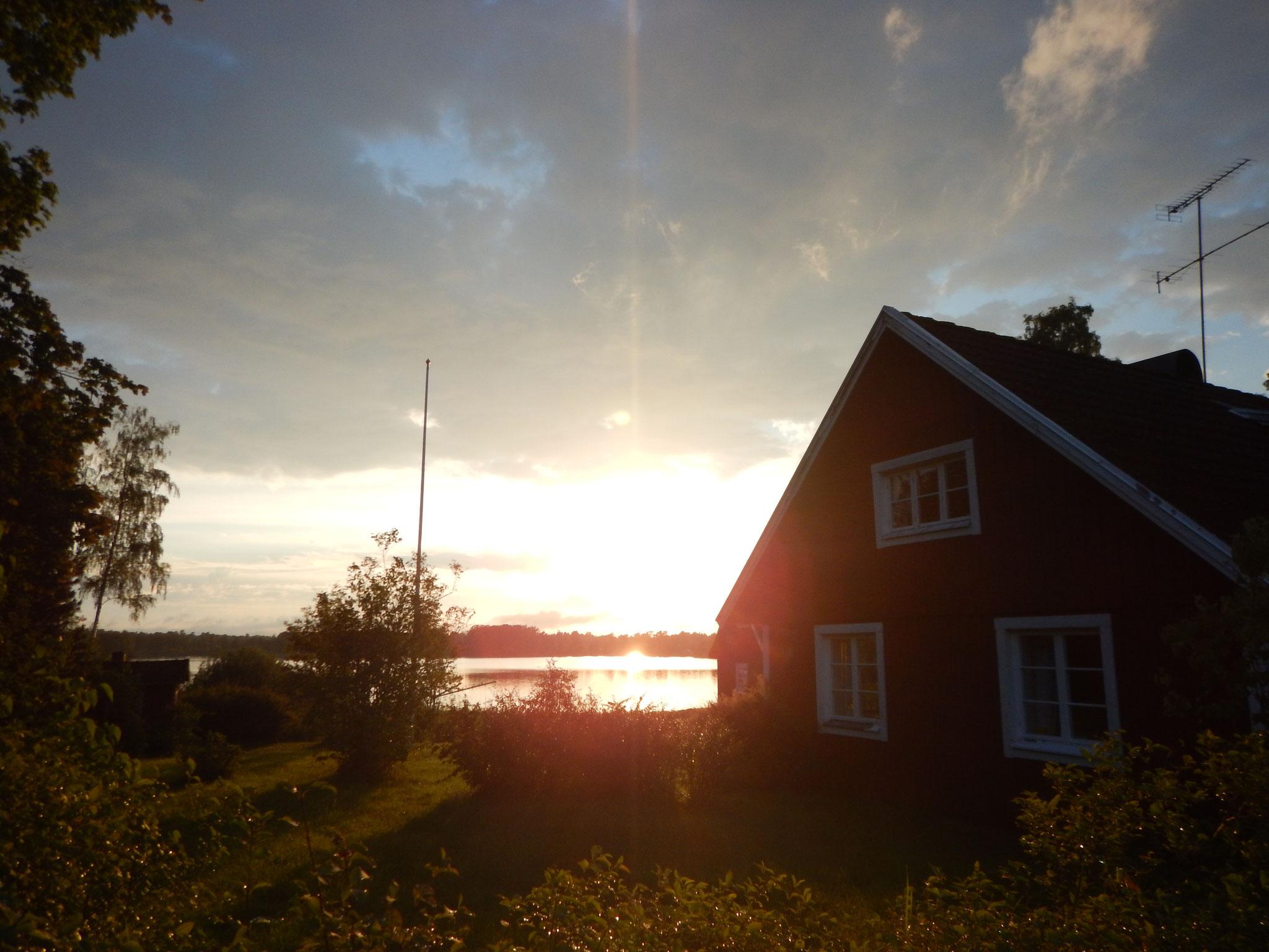 Ich glaube genau das ist der Grund dafür, dass  Menschen nach Schweden fahren...   :-)