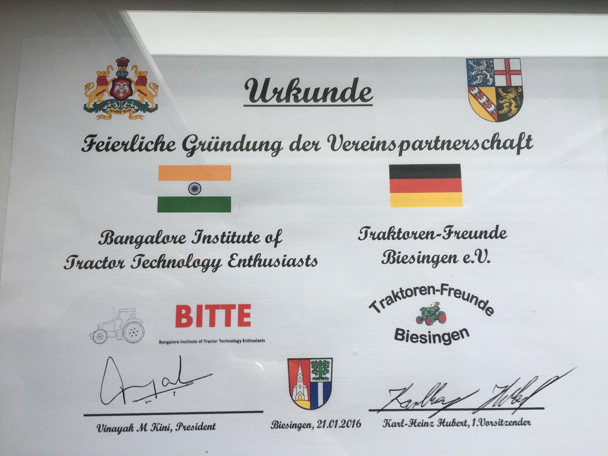 Urkunde der Vereinspartnerschaft ausgestellt durch Traktoren-Freunde Biesingen