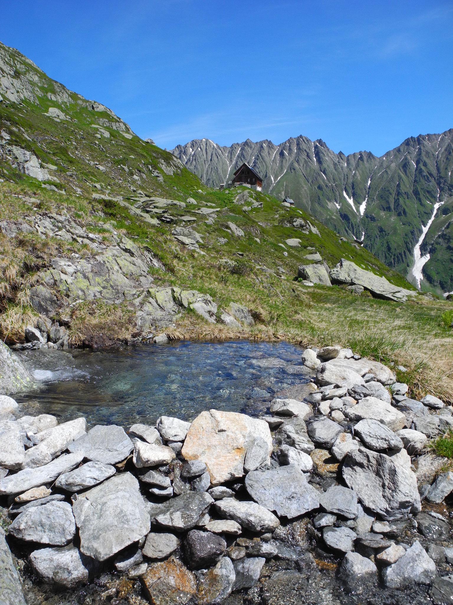 ... 27: Die Bach-Wanne ist bereit für ein erfrischendes Bad