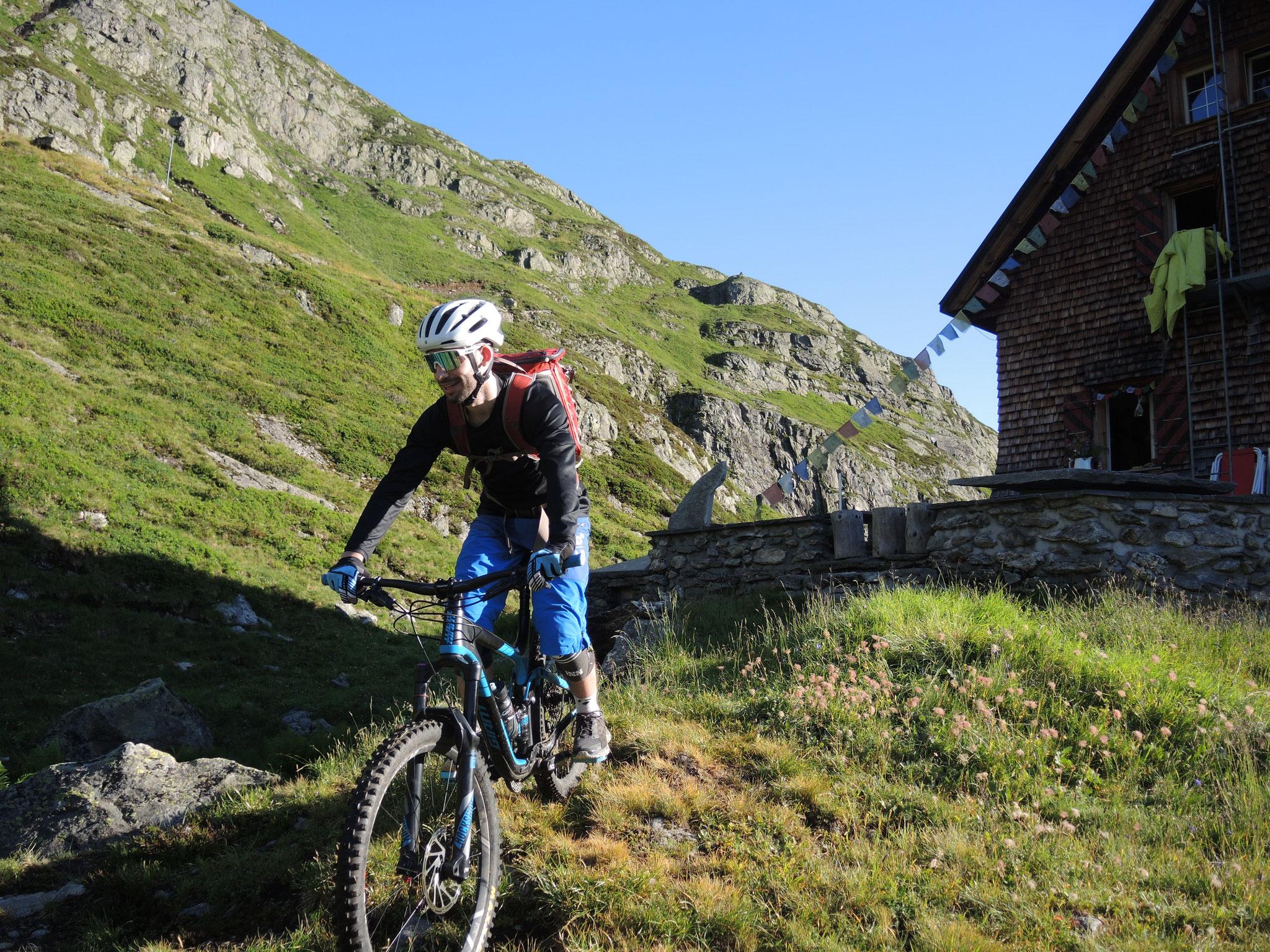 ...32: Erster Biker im Gauli!