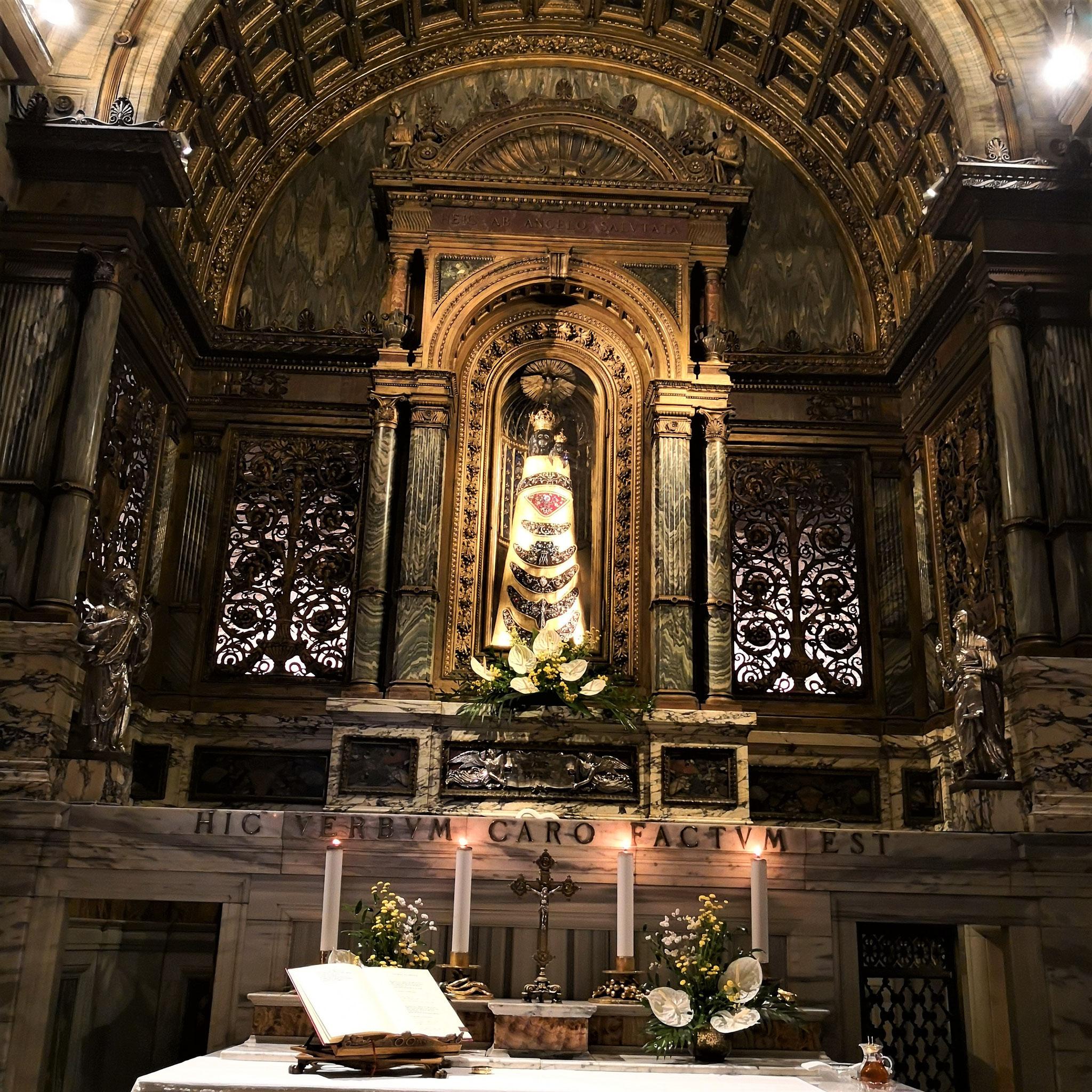 Madonna di Loreto, Santa Casa a Loreto