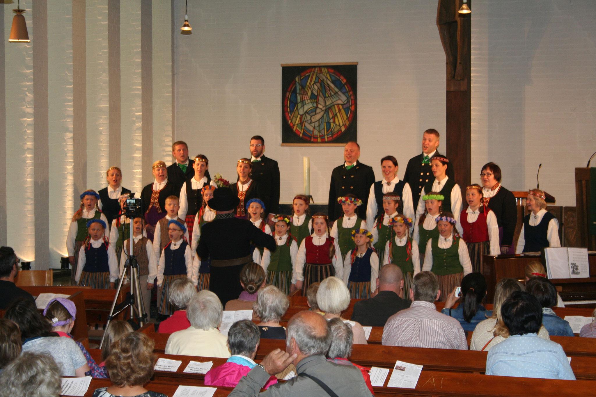 """""""Momo"""" koncerts Sv.Stefana baznīcā 2017.gada 25.jūnijā"""