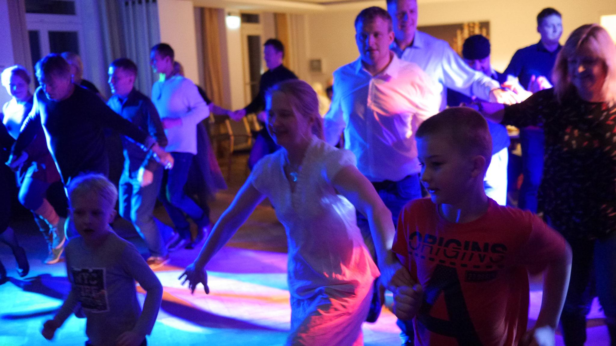 Lettische Tänze beim Ausklang des Jahres 2017