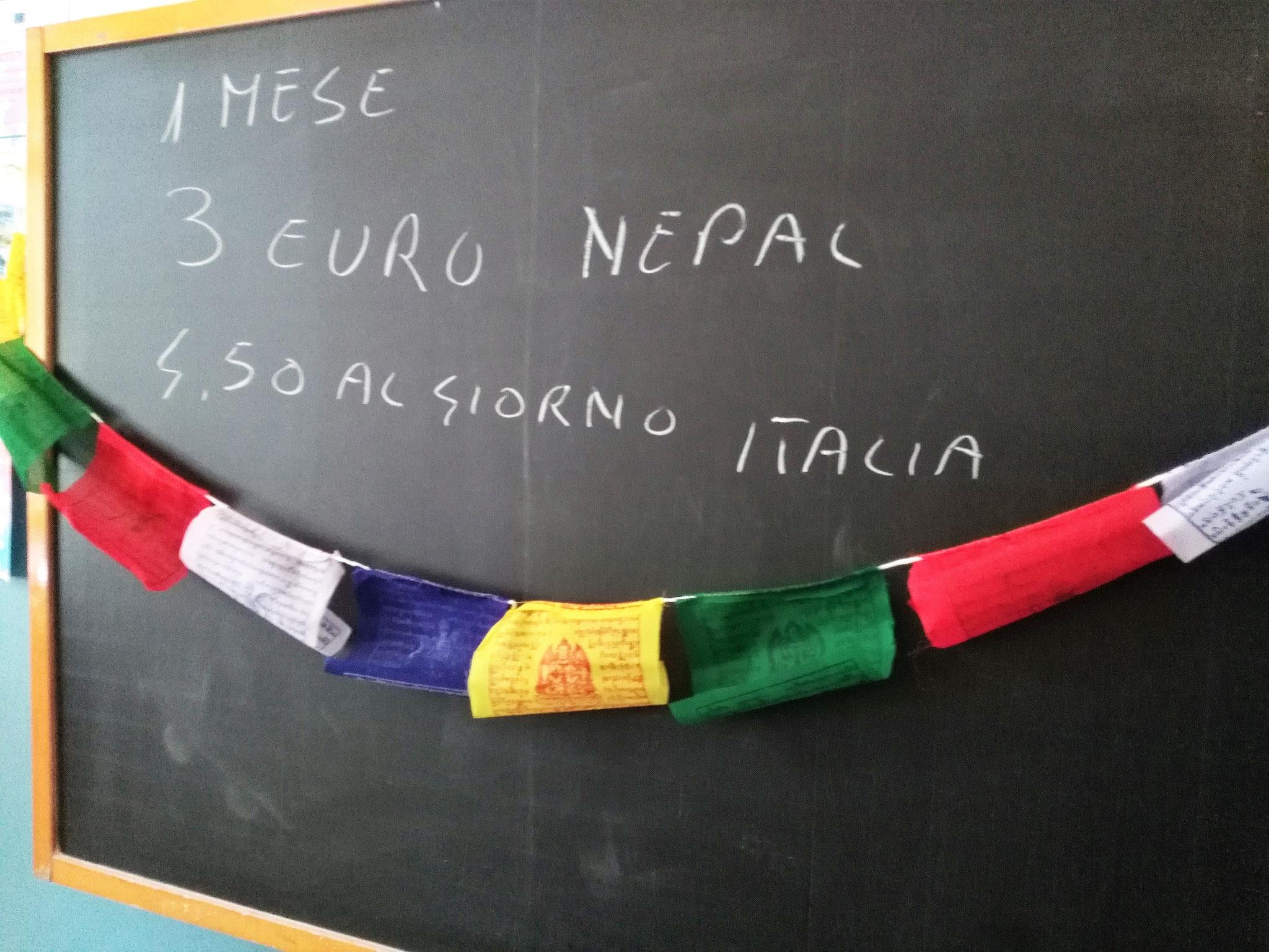 In Nepal bastano 3 euro per garantire ad un bambino di poter mangiare a scuola un mese intero. In Italia si spende poco più per il solo pasto giornaliero.