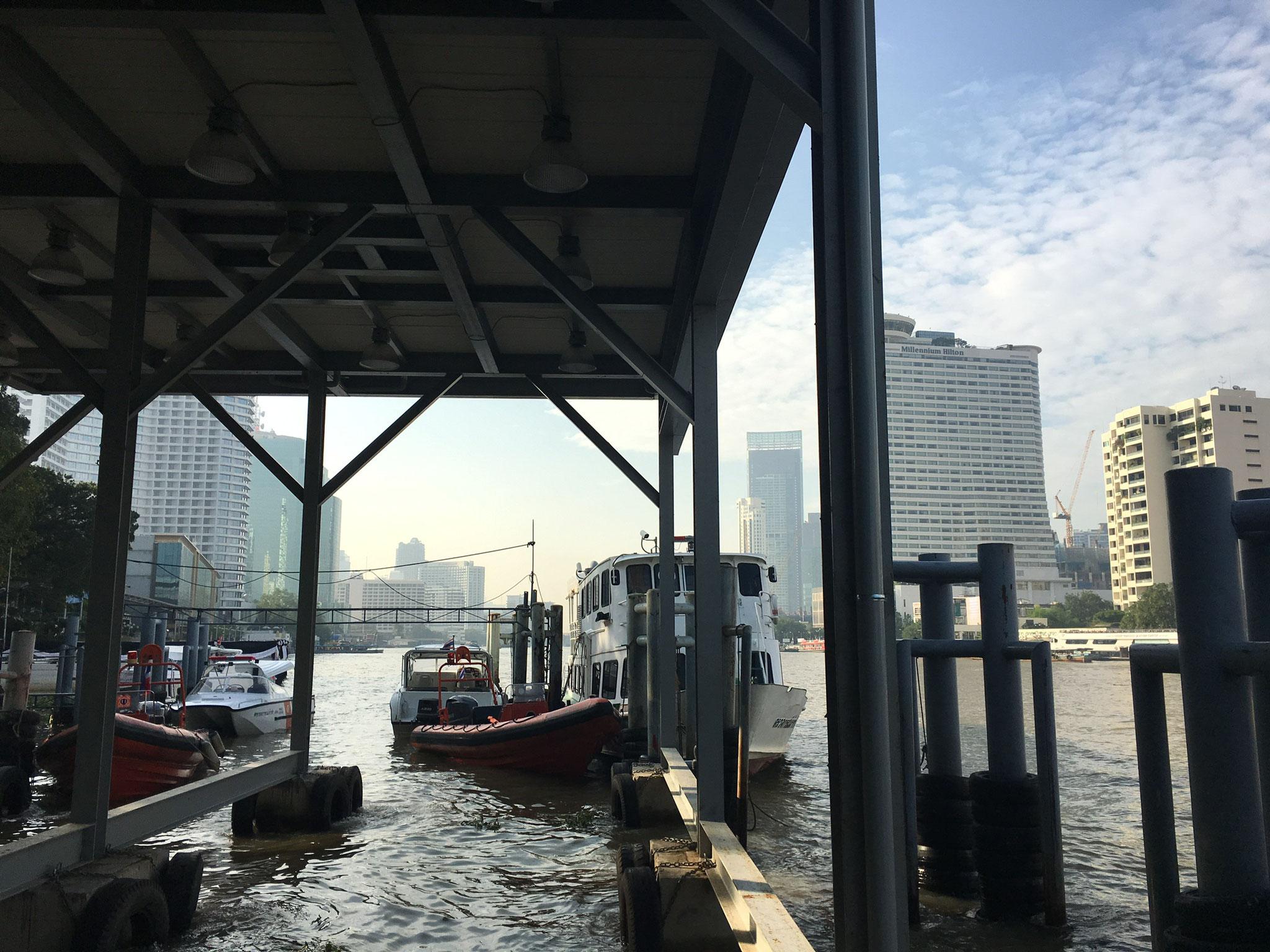 Am Schiffsableger Bangkok
