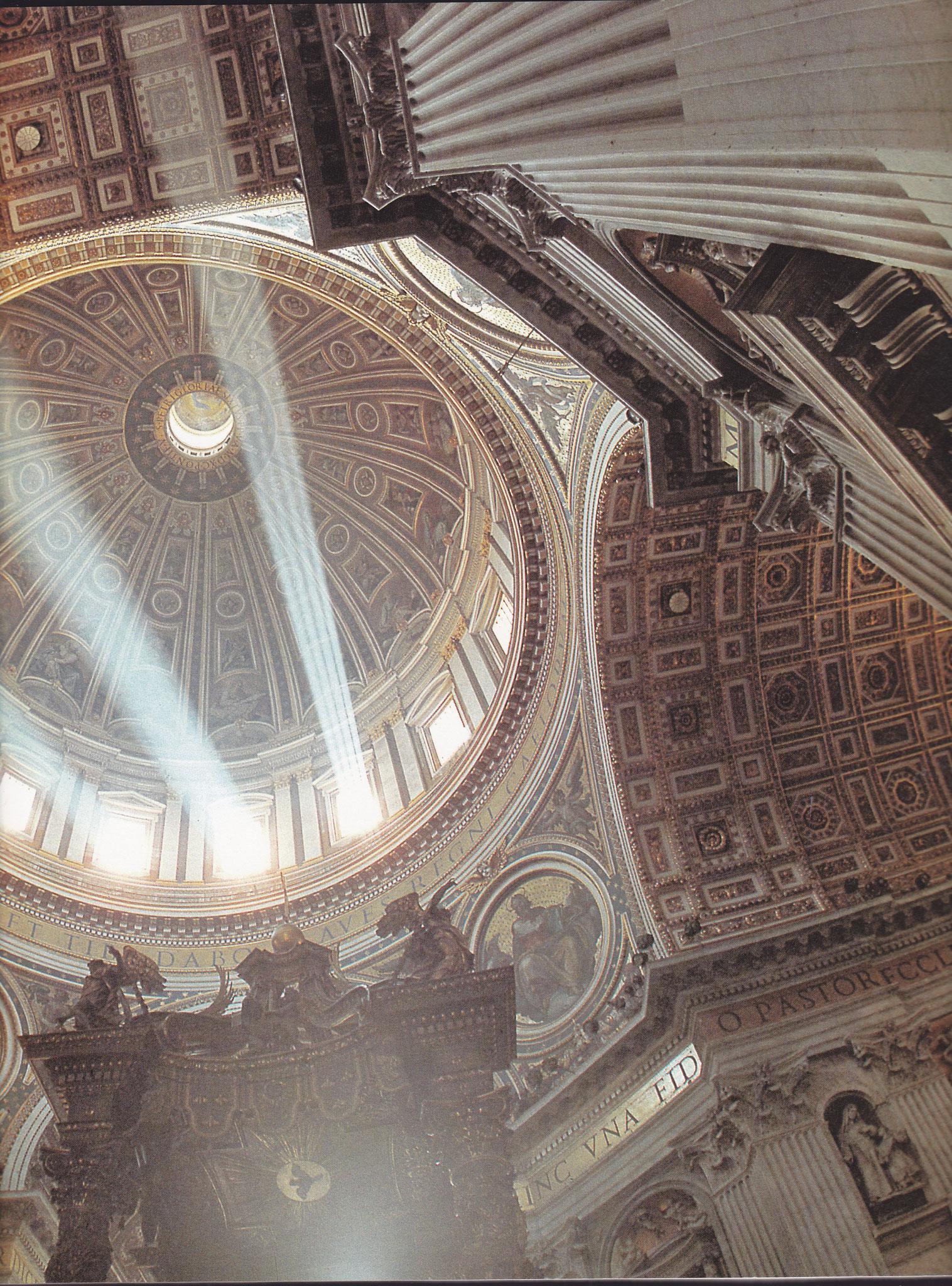 Die Peterskirche in Rom ist ein sehr schönes Beispiel von gebündelte Lichtstrahlen