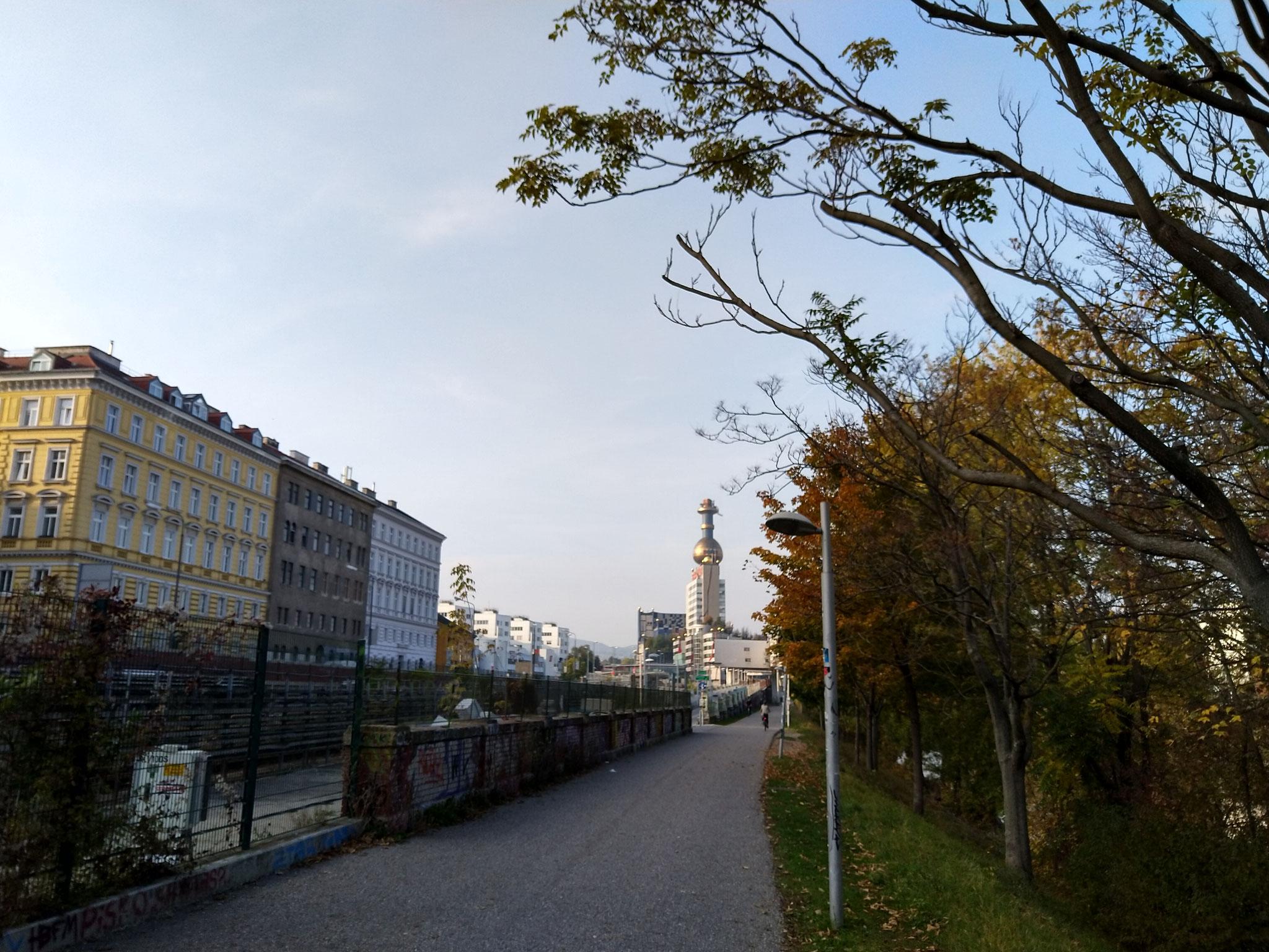 Giro Donaukanal in bici - Hundertwasser Spittelau