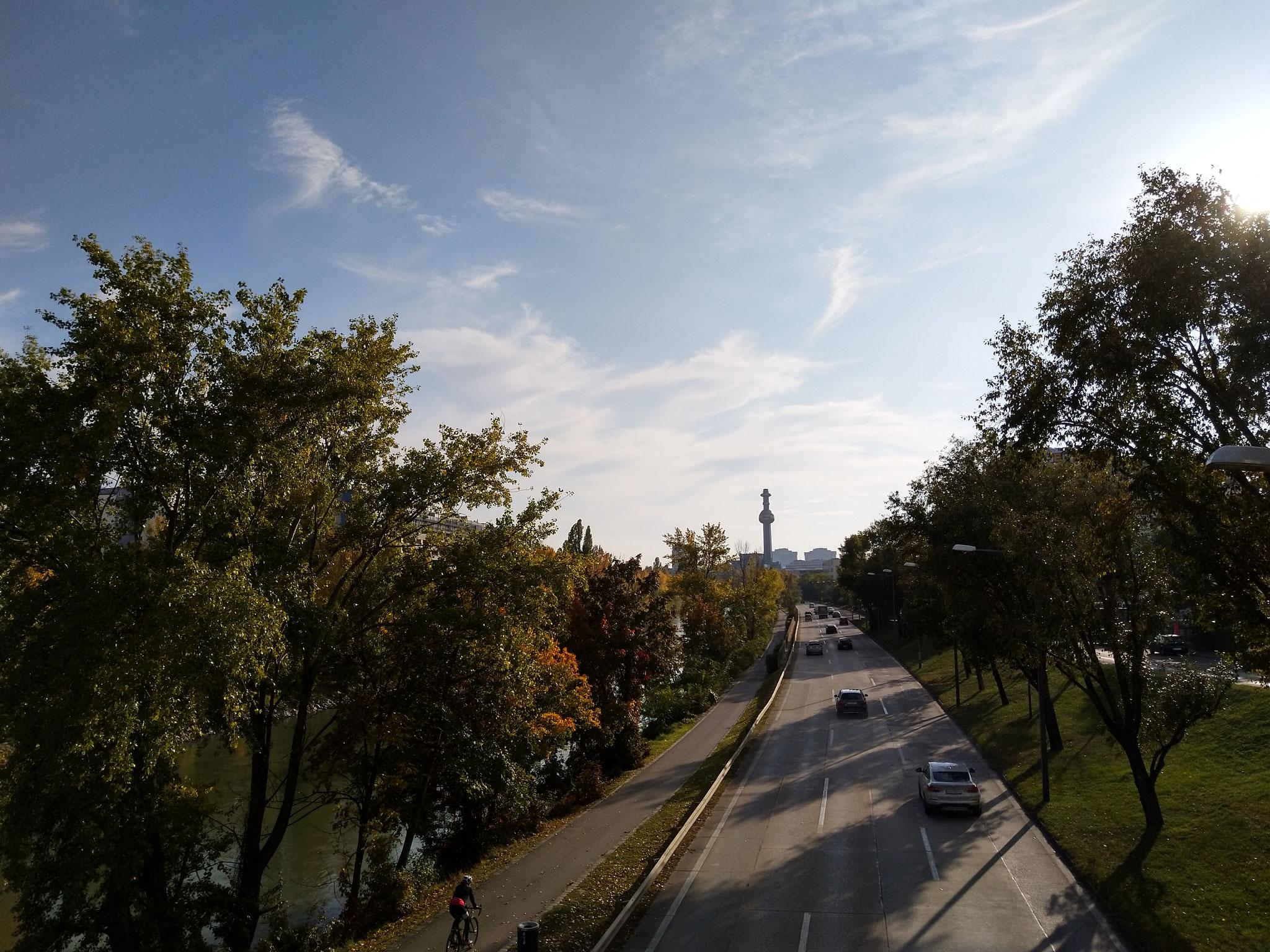 Giro Donaukanal in bici: Inceneritore Spittelau di Hundertwasser