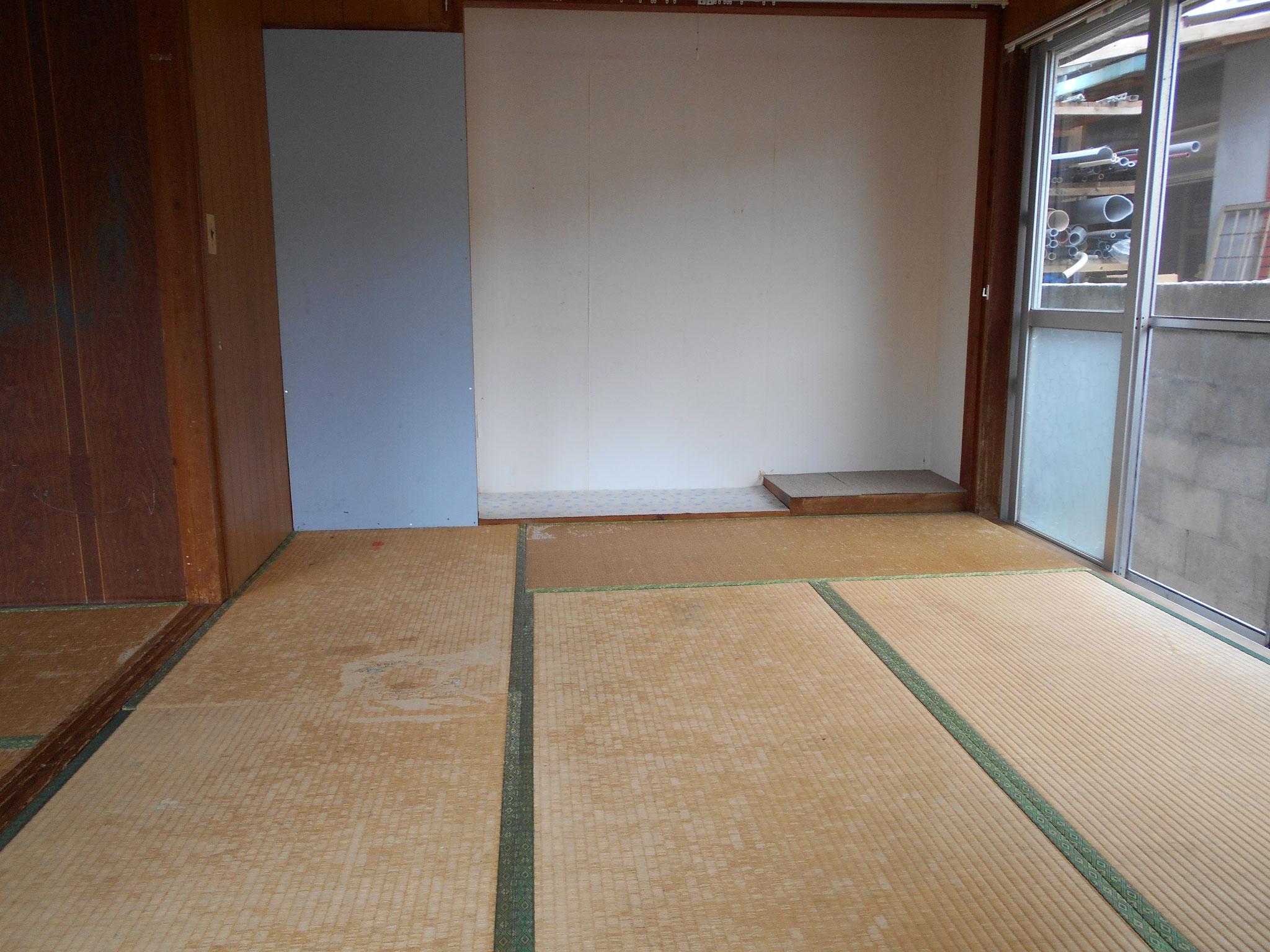 玄関右側6畳と床の間