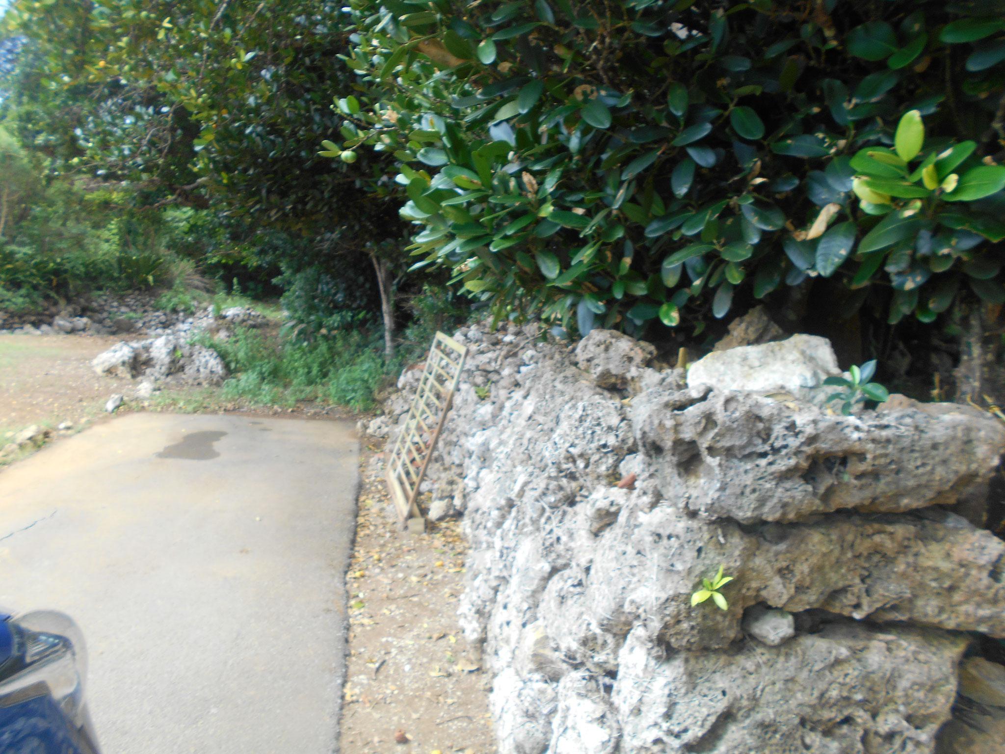 境界は石垣