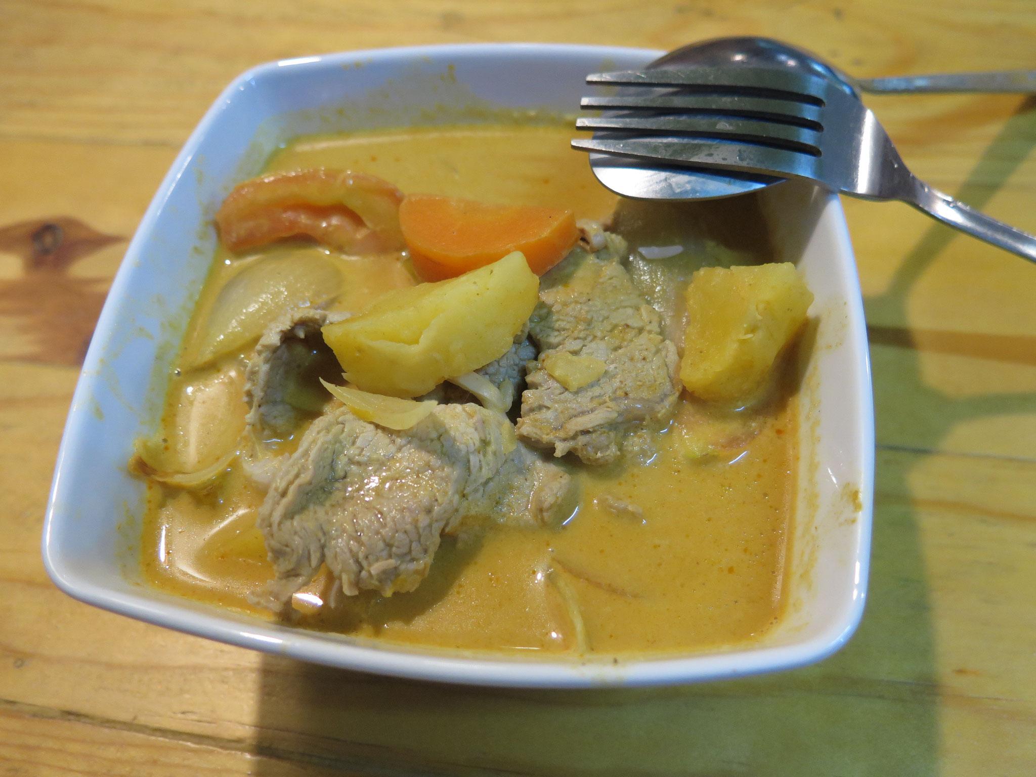 Yellow curry pork