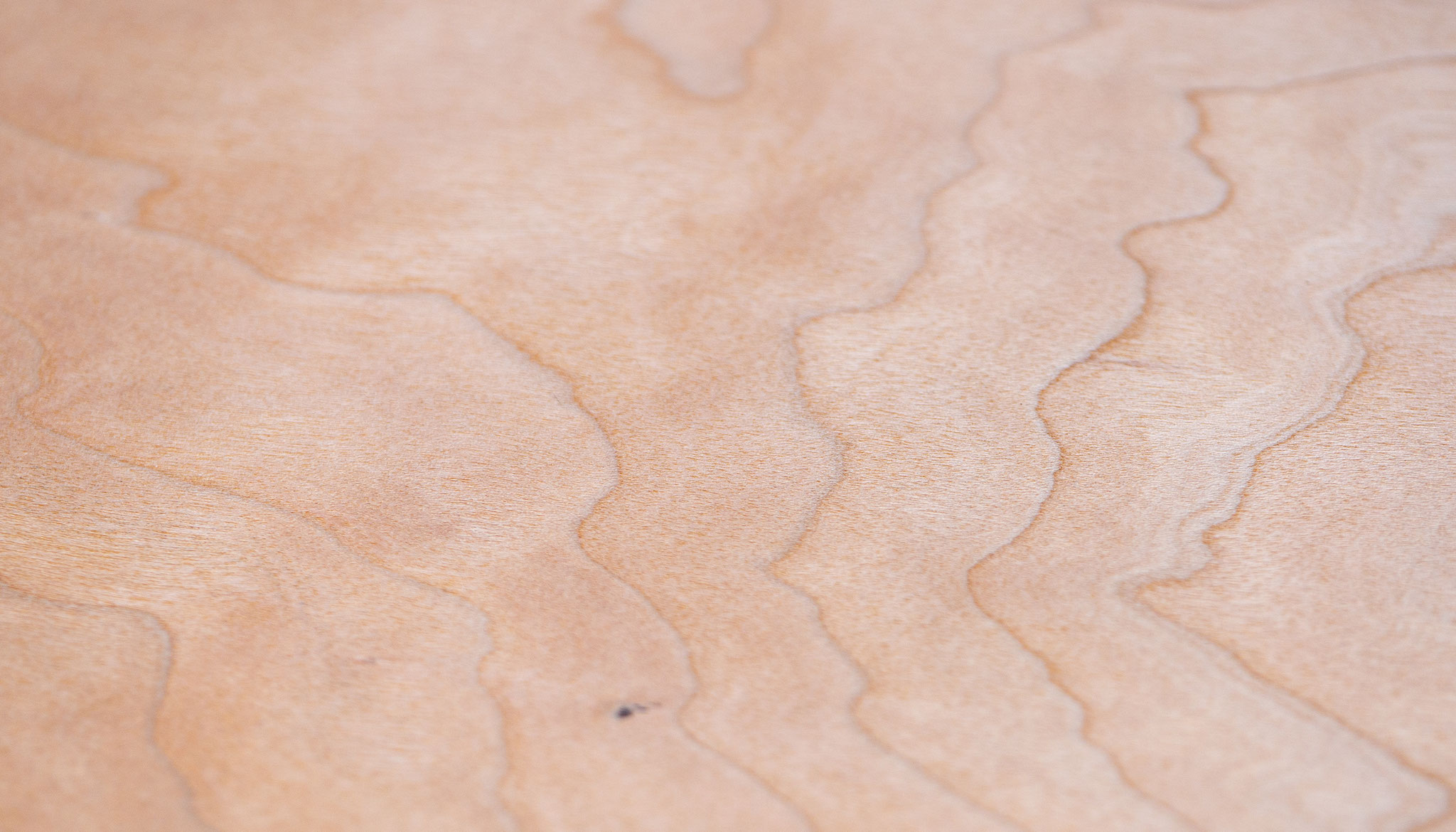 Echtholzfurniere können bedruckt, gelasert und gefalzt werden - ein echtes Multitalent