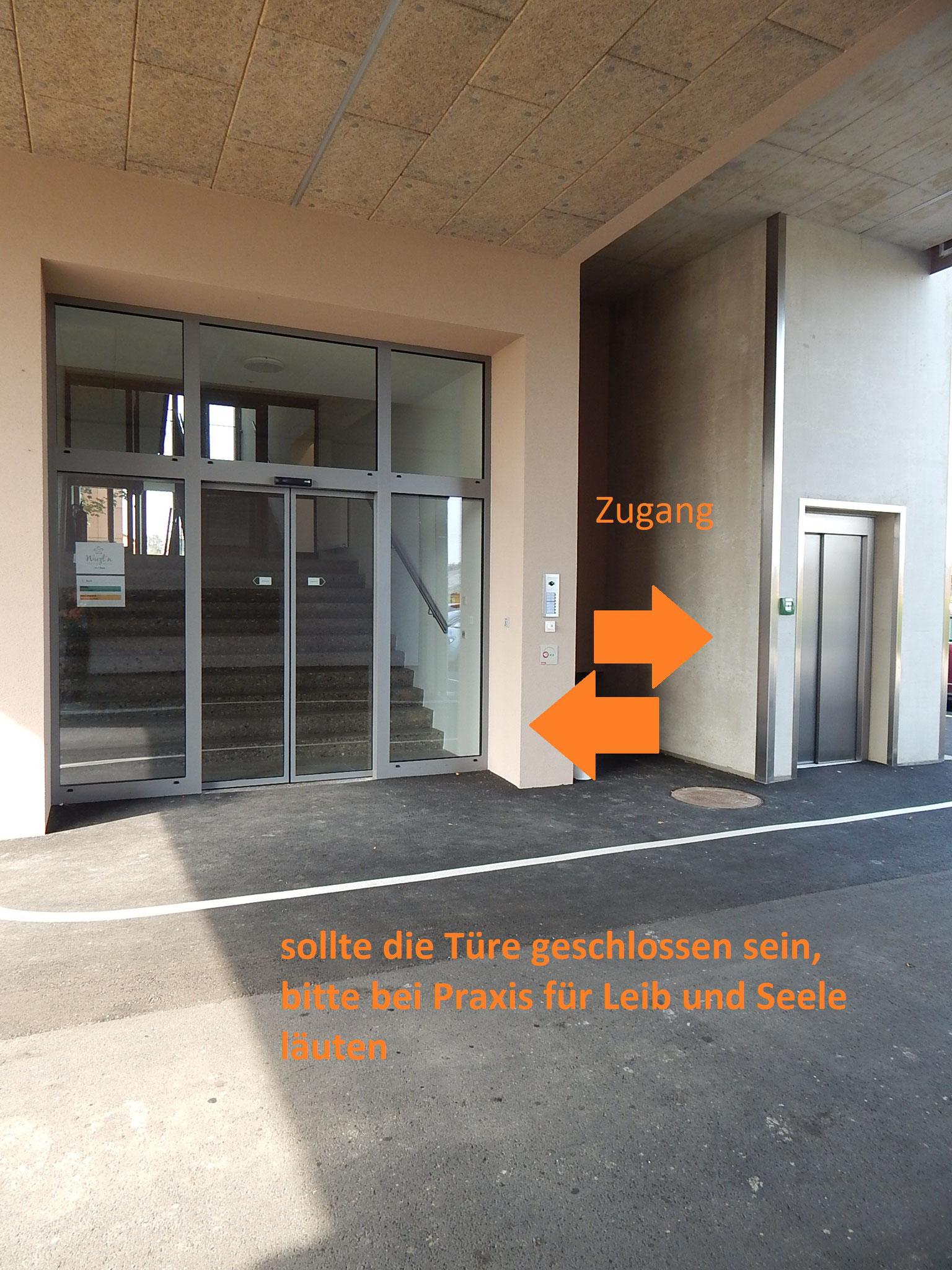 Zugang über Stiege oder Lift möglich