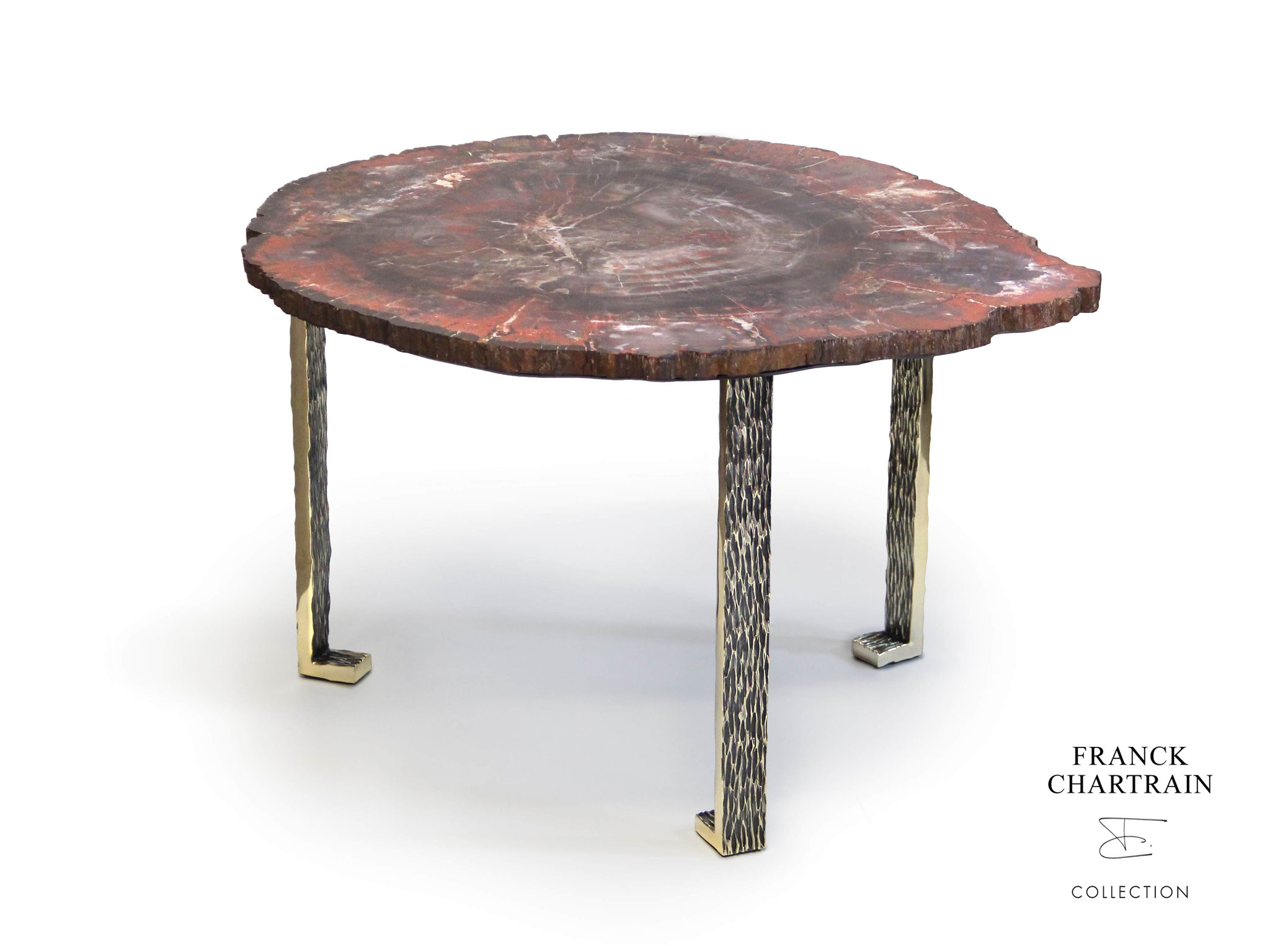 TABLE MAGNOLIA Bronze texturé, bois silicifié