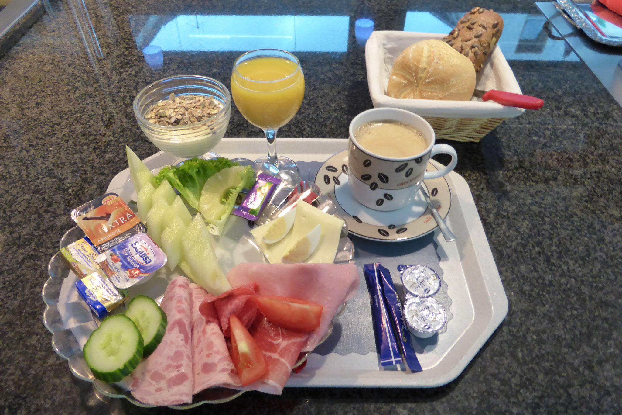 Wir sind immer für sie da - ob Frühstück,...